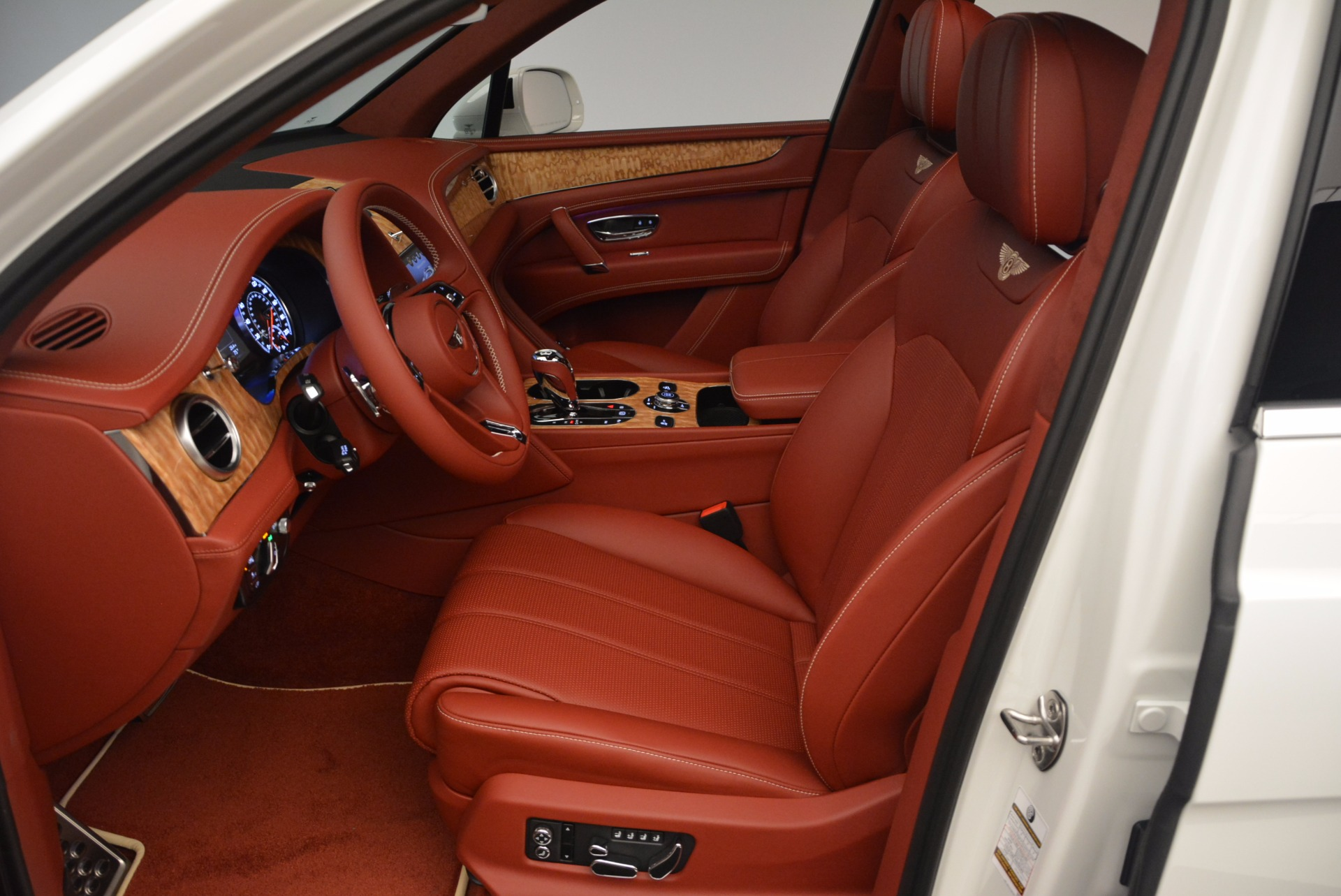 New 2018 Bentley Bentayga Onyx Edition For Sale In Greenwich, CT 1429_p24