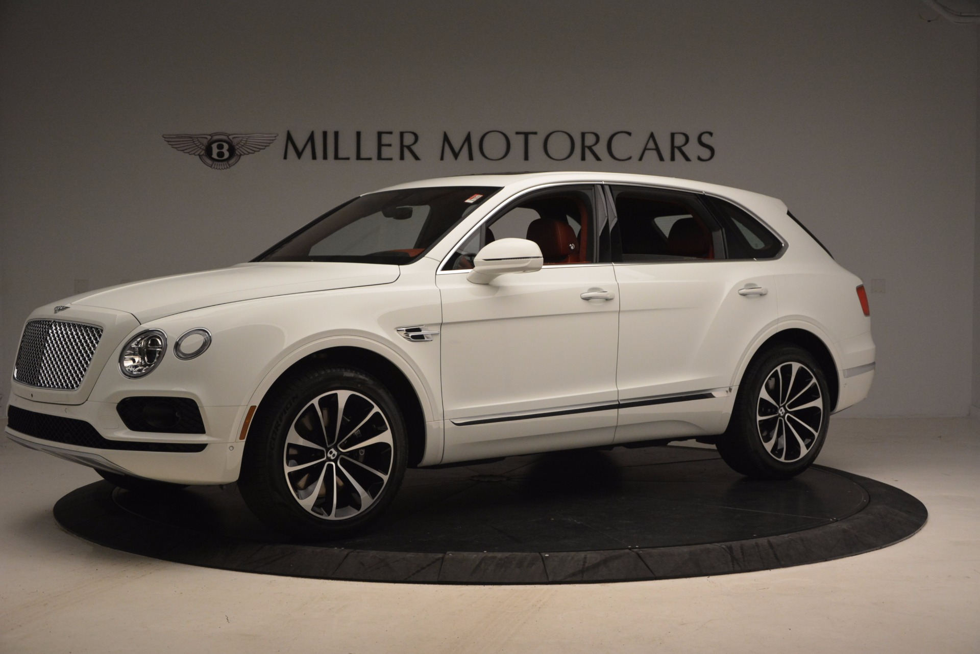 New 2018 Bentley Bentayga Onyx Edition For Sale In Greenwich, CT 1429_p2