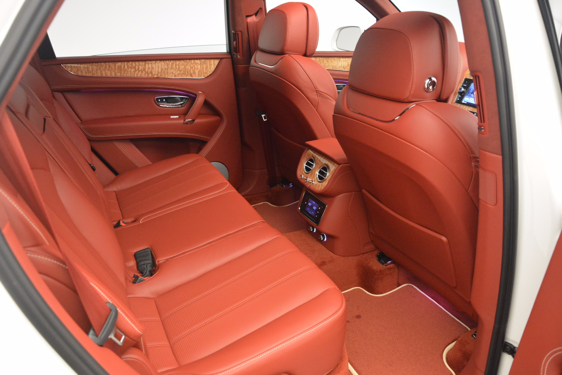 New 2018 Bentley Bentayga Onyx Edition For Sale In Greenwich, CT 1429_p36