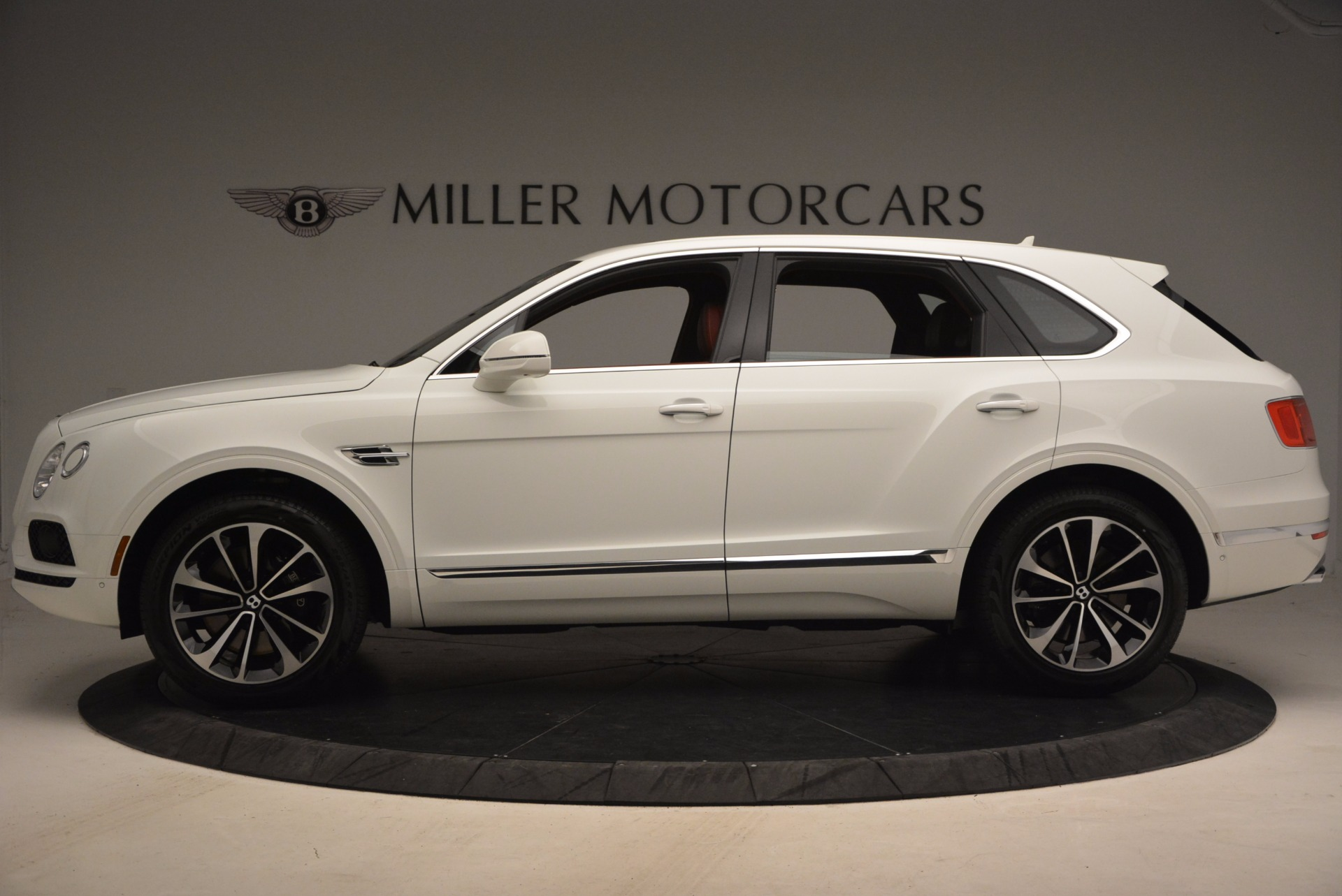 New 2018 Bentley Bentayga Onyx Edition For Sale In Greenwich, CT 1429_p3
