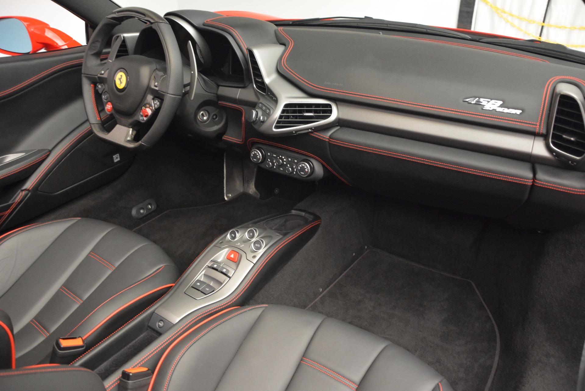Used 2014 Ferrari 458 Spider  For Sale In Greenwich, CT 1430_p29