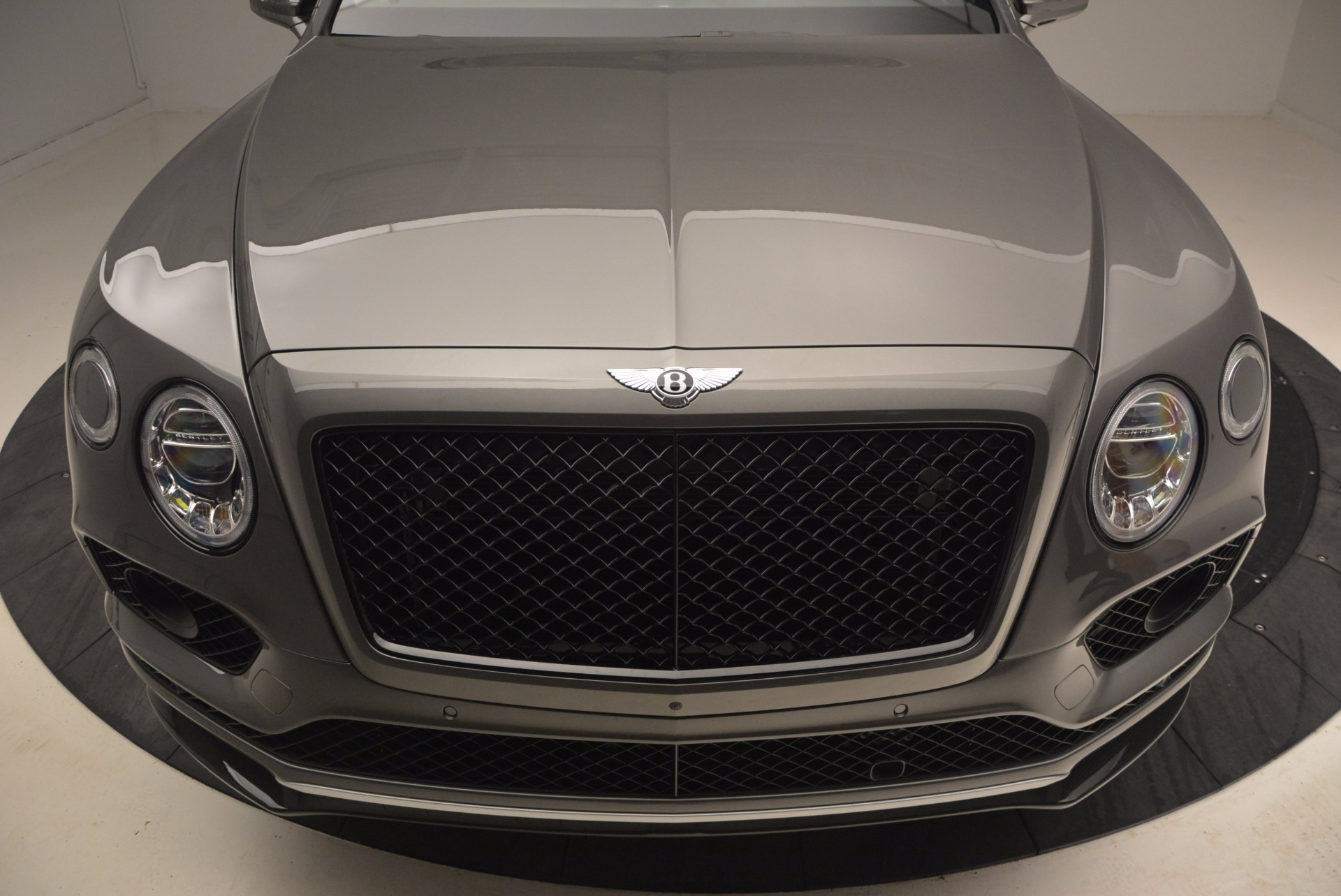 New 2018 Bentley Bentayga Black Edition For Sale In Greenwich, CT 1431_p15