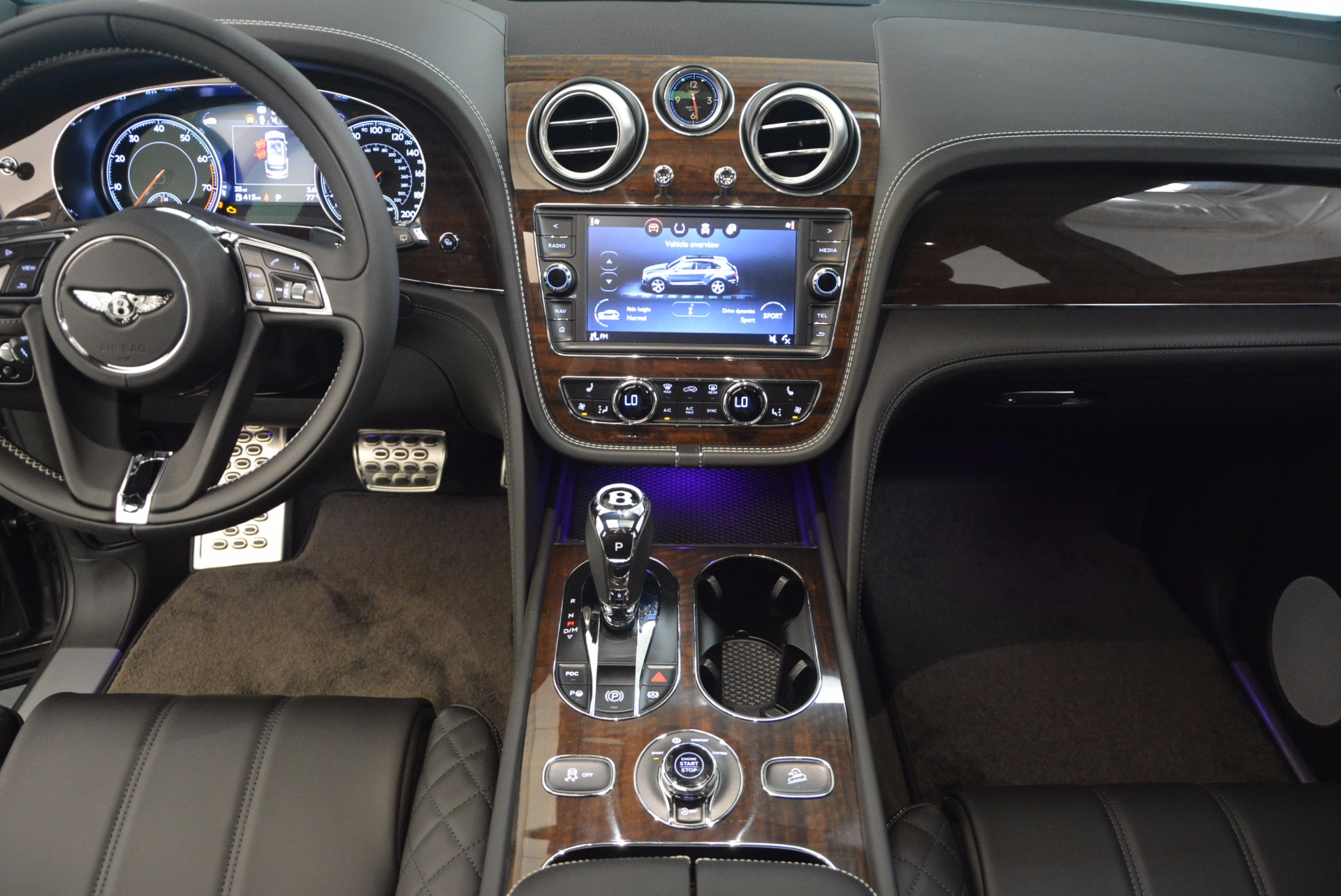 New 2018 Bentley Bentayga Black Edition For Sale In Greenwich, CT 1431_p30