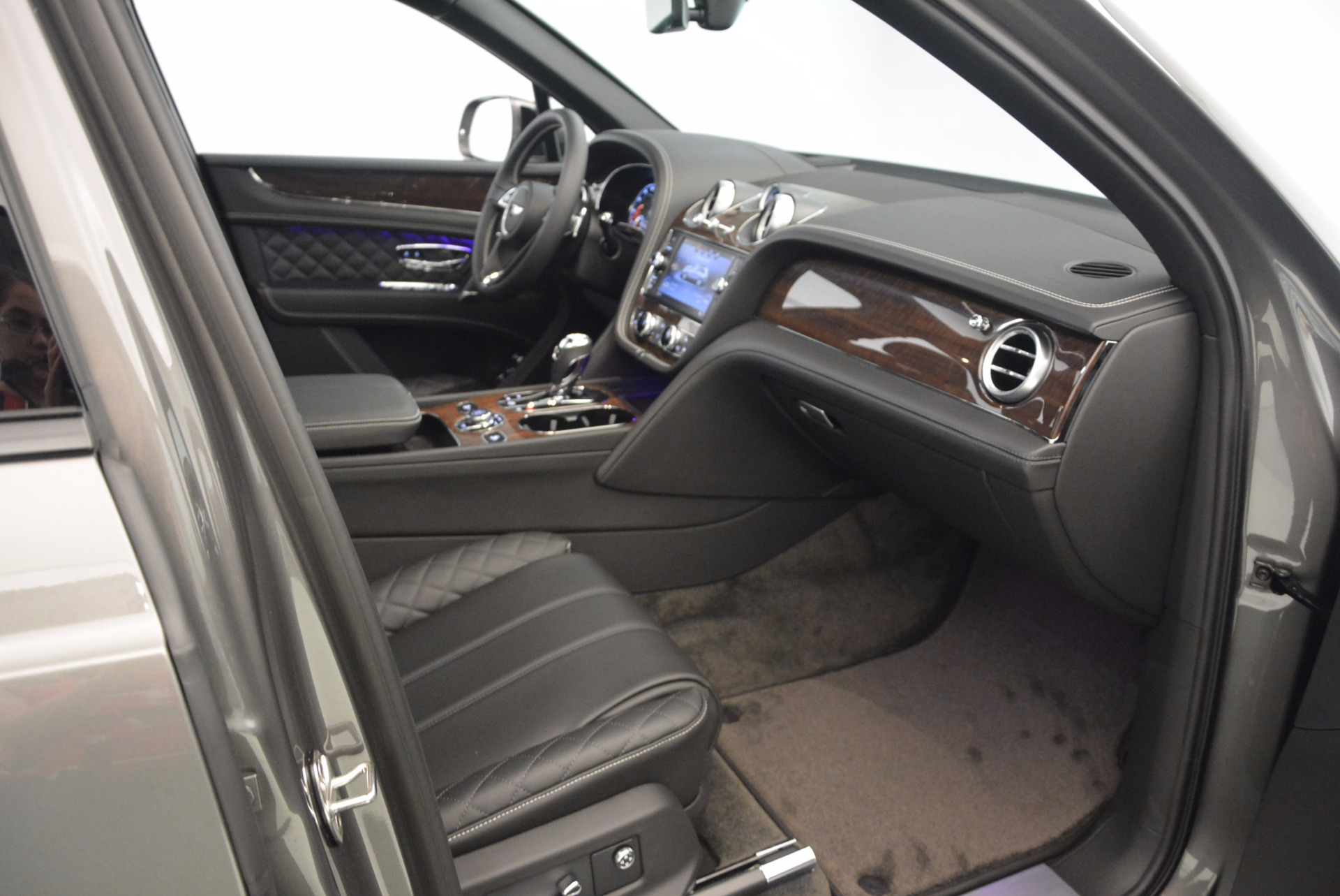 New 2018 Bentley Bentayga Black Edition For Sale In Greenwich, CT 1431_p35
