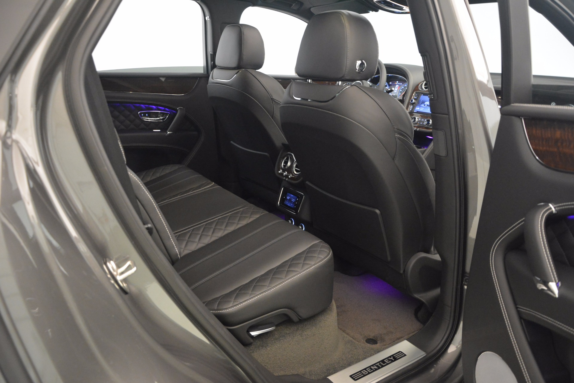 New 2018 Bentley Bentayga Black Edition For Sale In Greenwich, CT 1431_p37