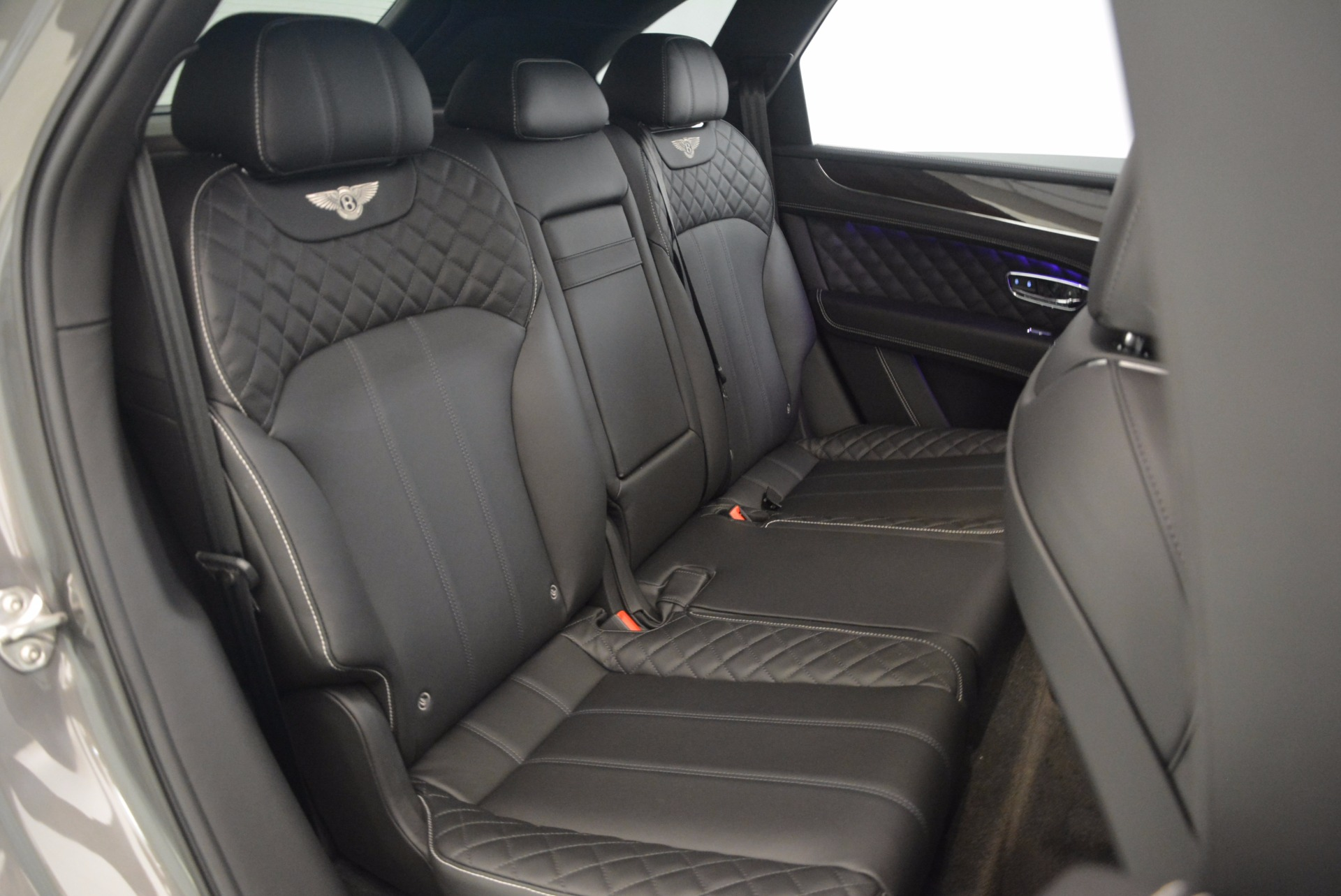 New 2018 Bentley Bentayga Black Edition For Sale In Greenwich, CT 1431_p38