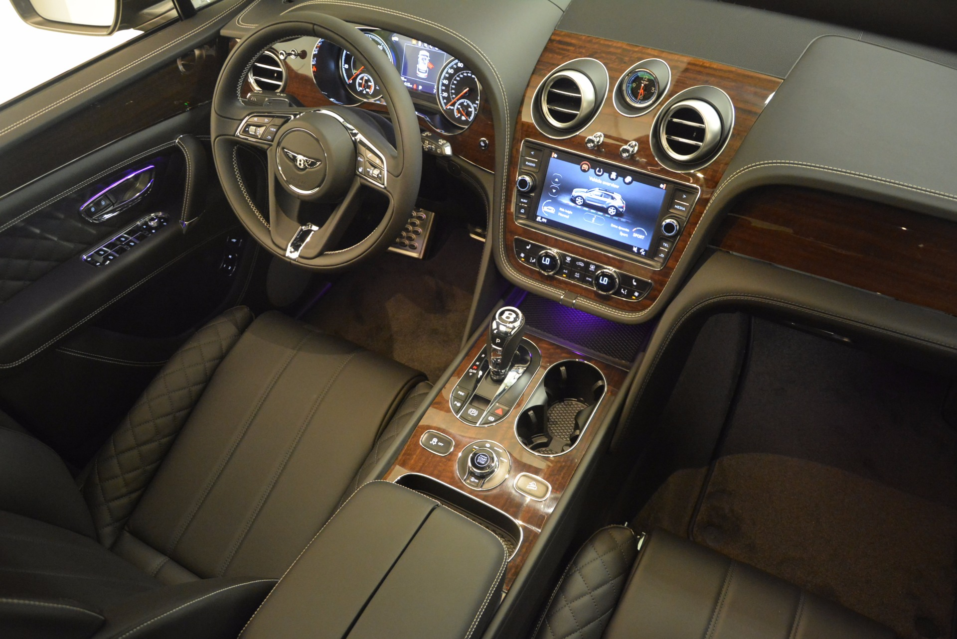 New 2018 Bentley Bentayga Black Edition For Sale In Greenwich, CT 1431_p39