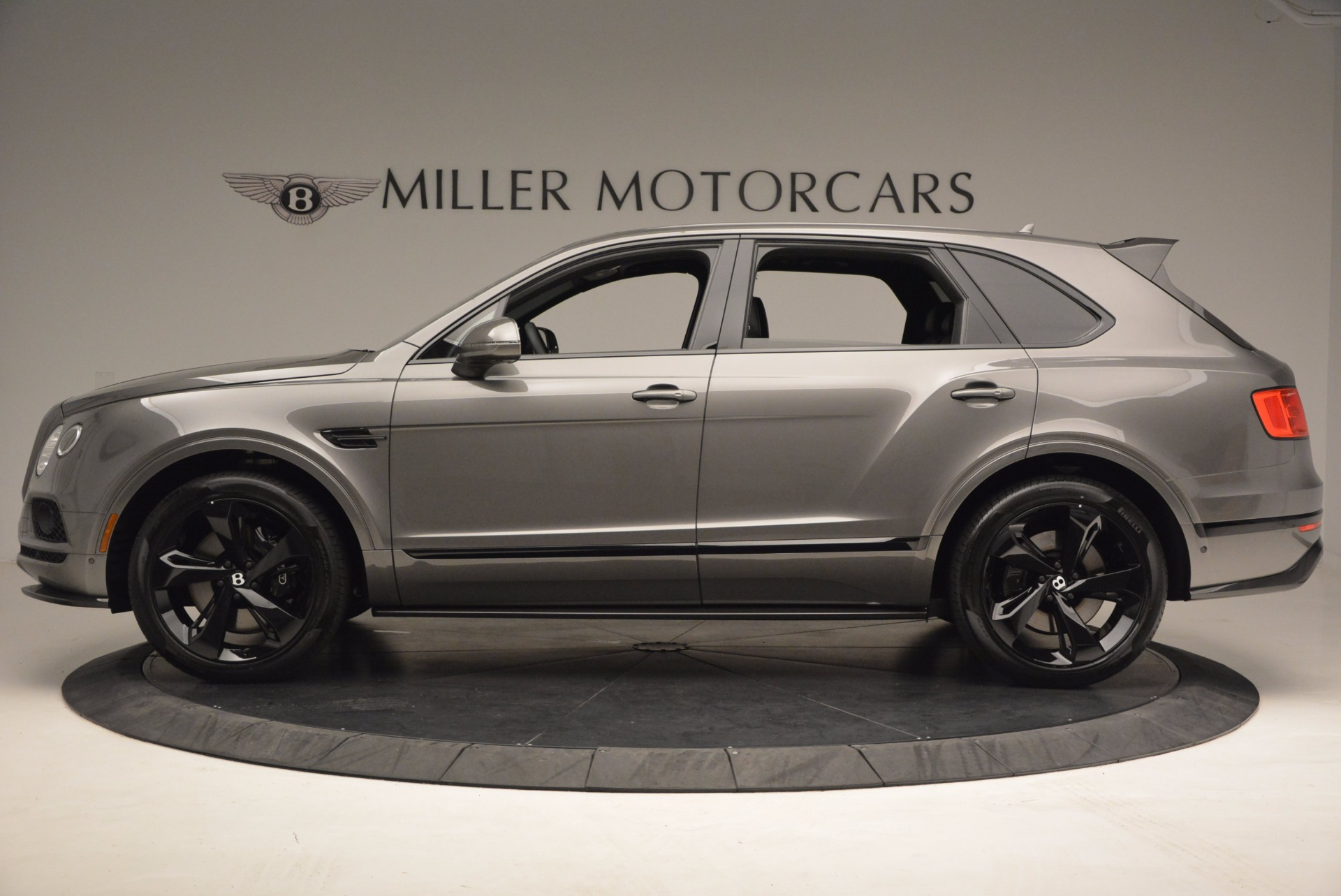 New 2018 Bentley Bentayga Black Edition For Sale In Greenwich, CT 1431_p4
