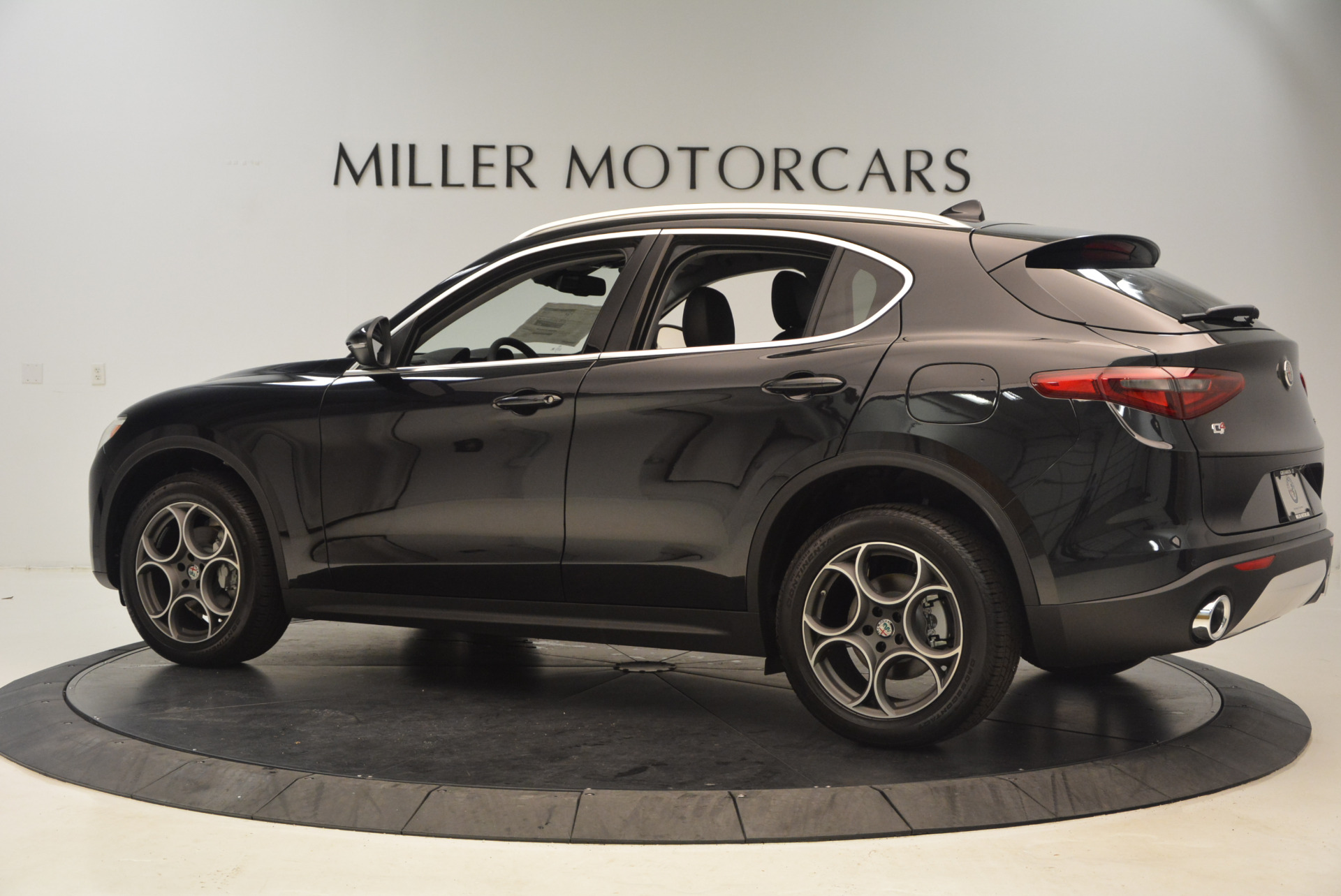 New 2018 Alfa Romeo Stelvio Q4 For Sale In Greenwich, CT 1441_p4