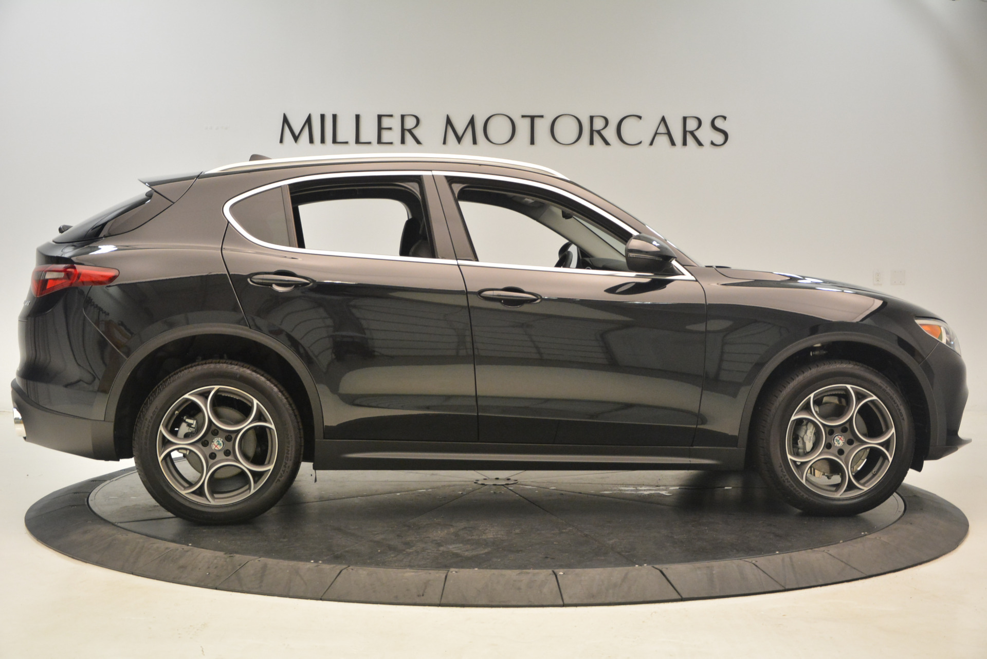 New 2018 Alfa Romeo Stelvio Q4 For Sale In Greenwich, CT 1441_p9