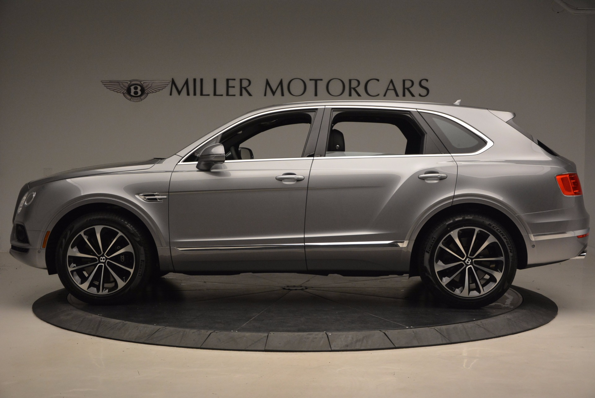 New 2018 Bentley Bentayga Onyx For Sale In Greenwich, CT 1446_p3
