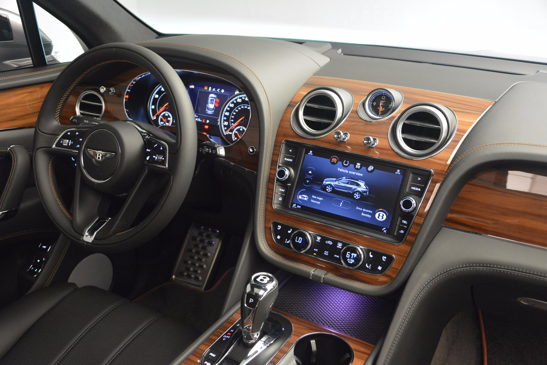 New 2018 Bentley Bentayga Onyx For Sale In Greenwich, CT 1446_p44