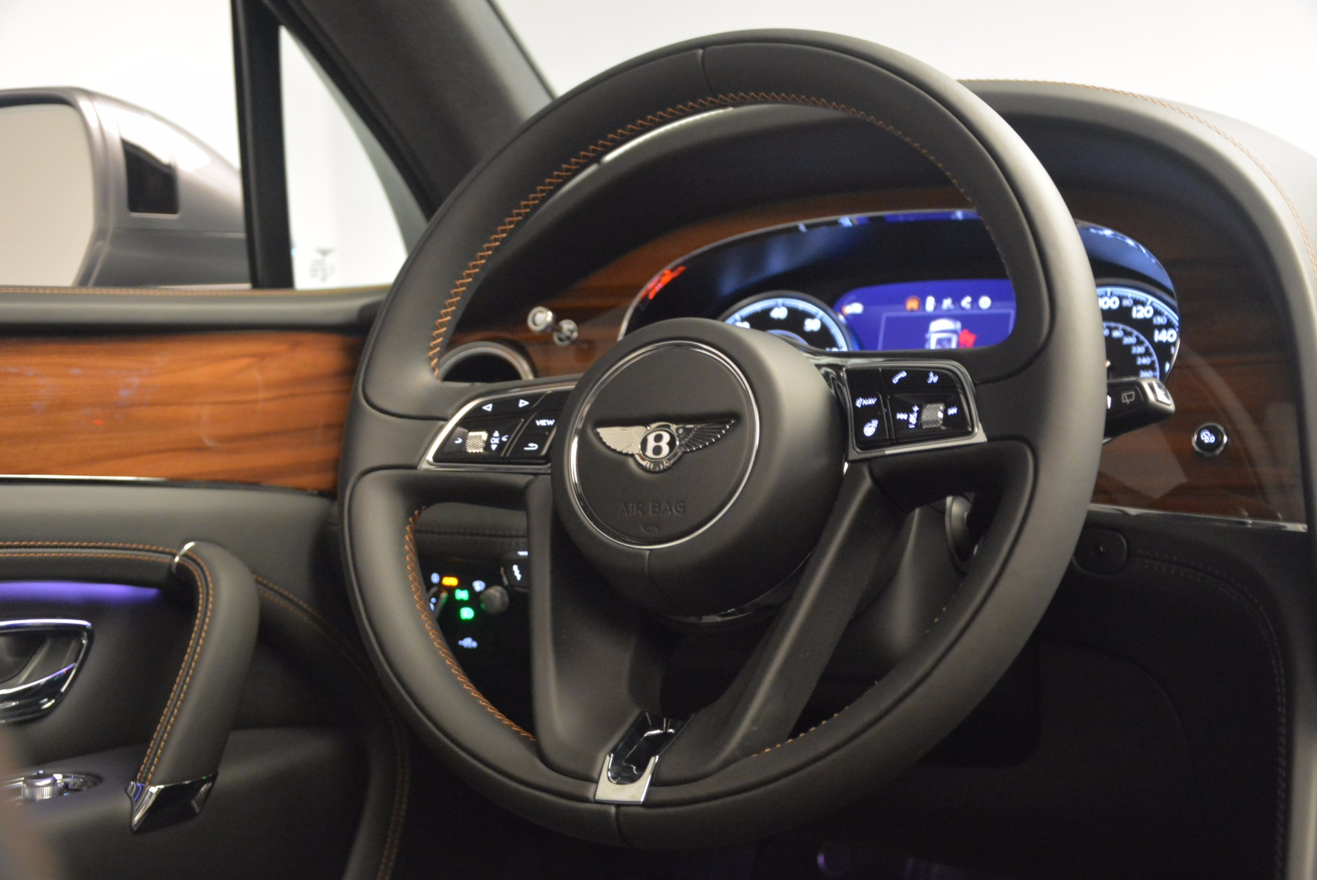 New 2018 Bentley Bentayga Onyx For Sale In Greenwich, CT 1446_p45