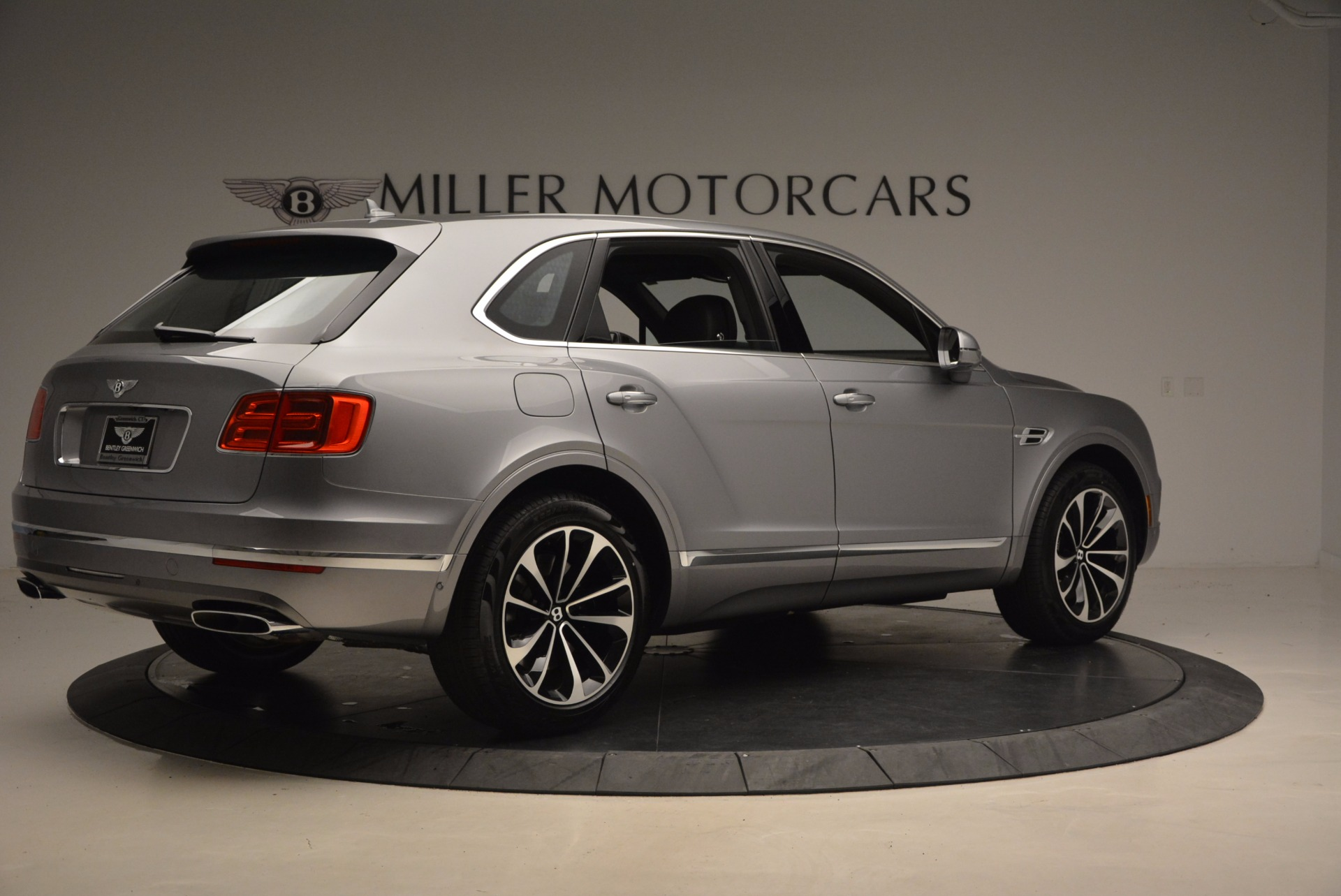 New 2018 Bentley Bentayga Onyx For Sale In Greenwich, CT 1446_p8