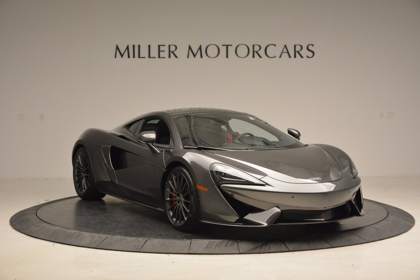 New 2017 McLaren 570GT  For Sale In Greenwich, CT 1451_p11
