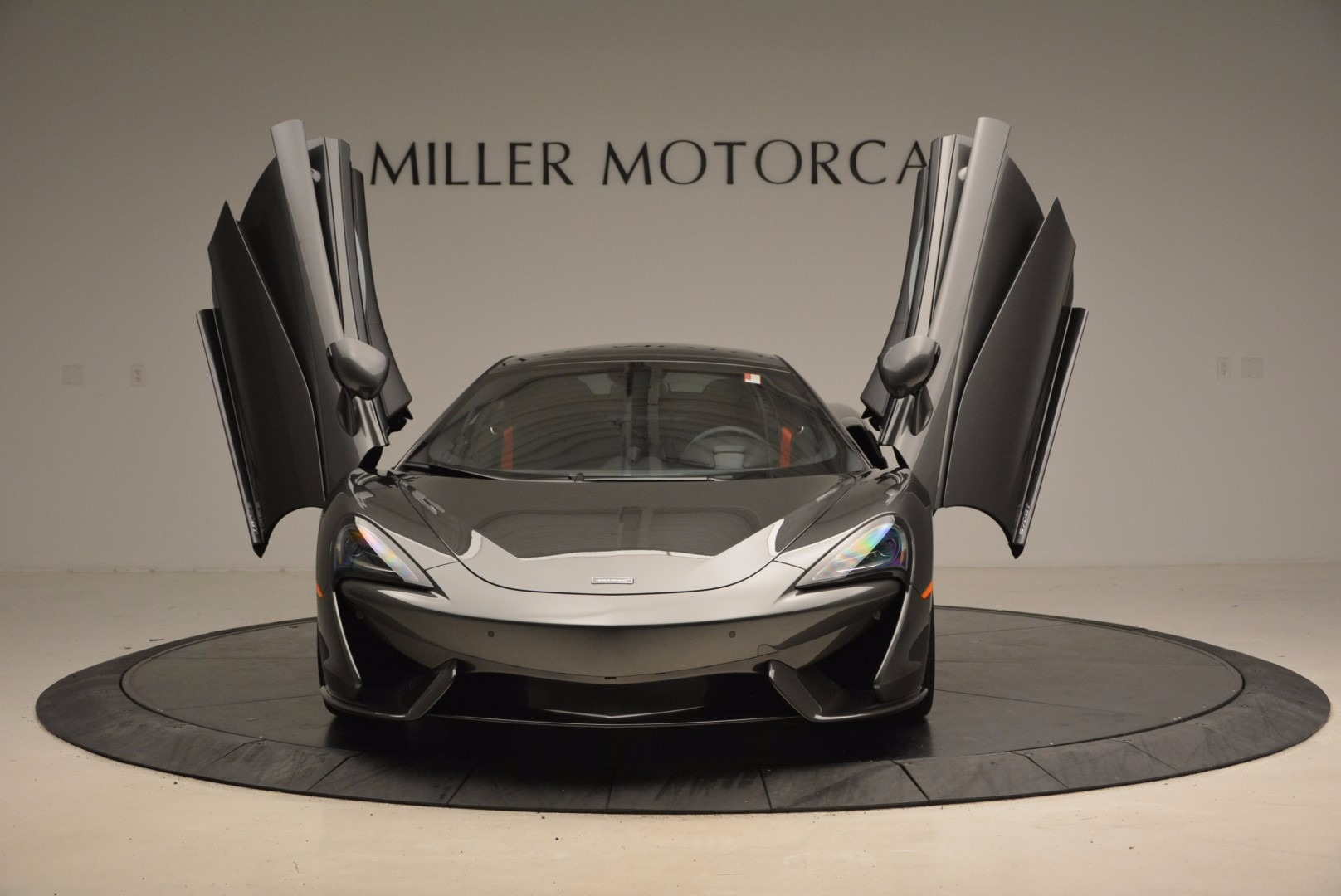 New 2017 McLaren 570GT  For Sale In Greenwich, CT 1451_p13