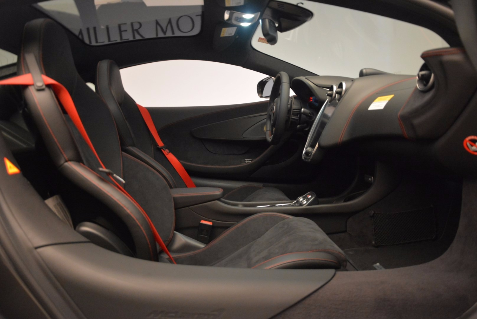 New 2017 McLaren 570GT  For Sale In Greenwich, CT 1451_p22