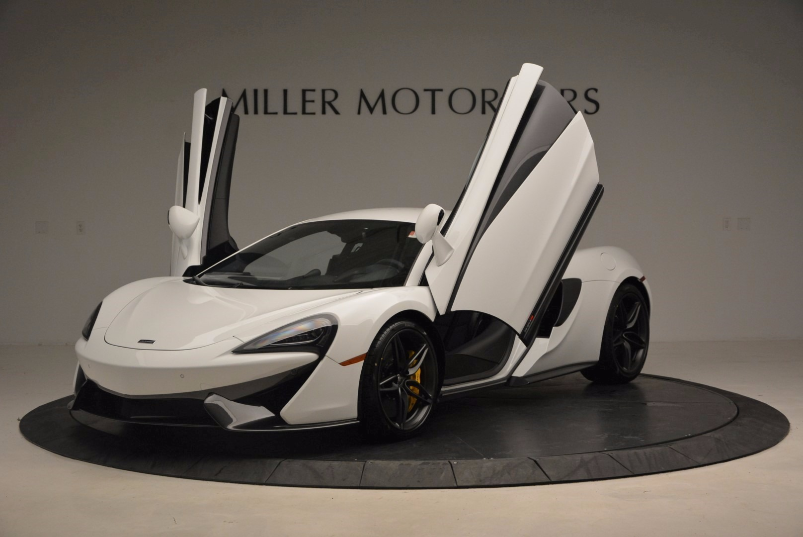 New 2017 McLaren 570S  For Sale In Greenwich, CT 1452_p14