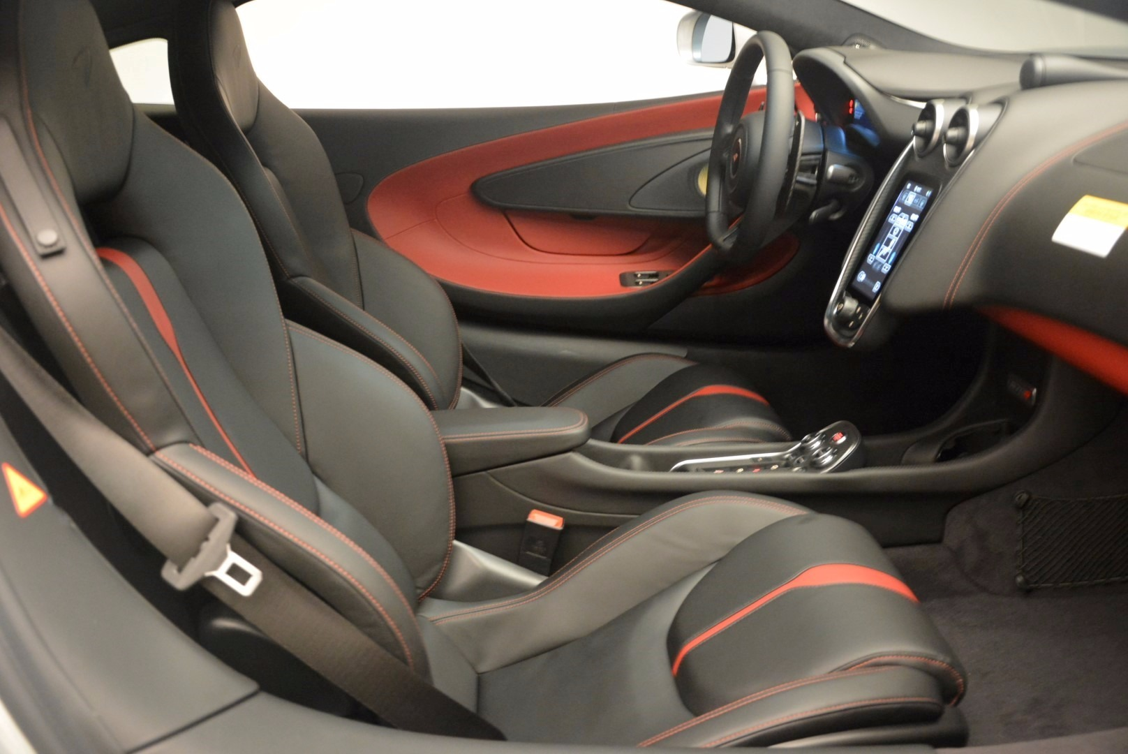 Used 2017 McLaren 570S  For Sale In Greenwich, CT 1453_p19