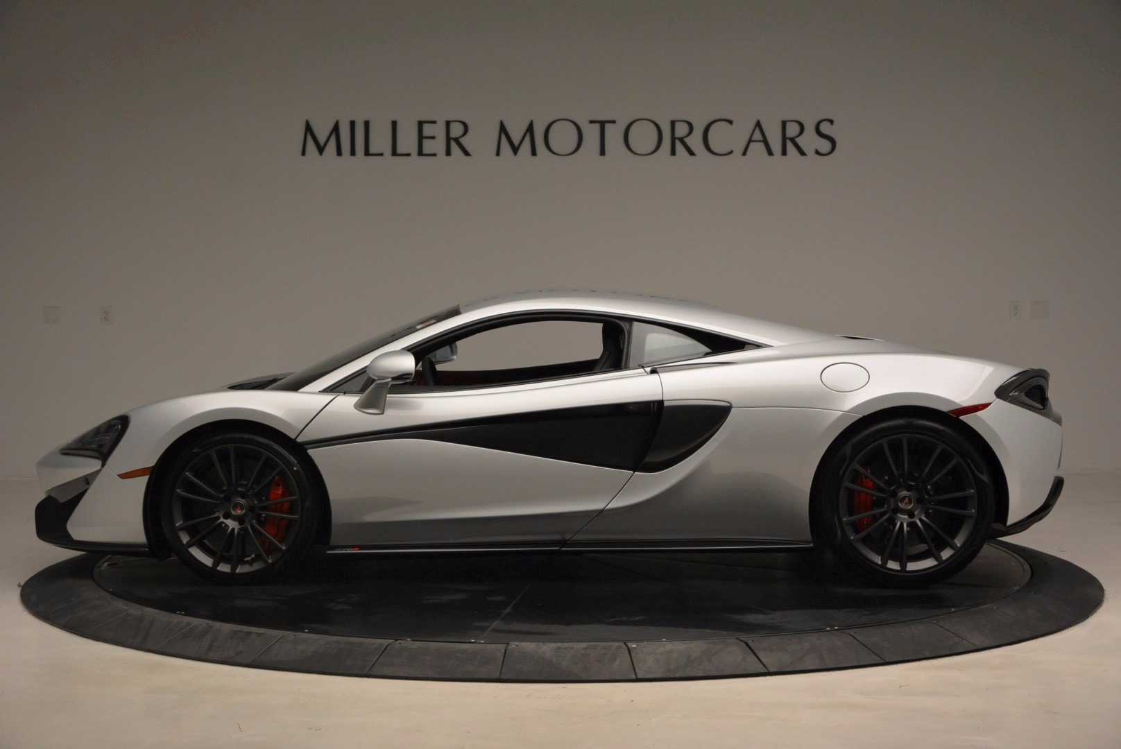 Used 2017 McLaren 570S  For Sale In Greenwich, CT 1453_p3