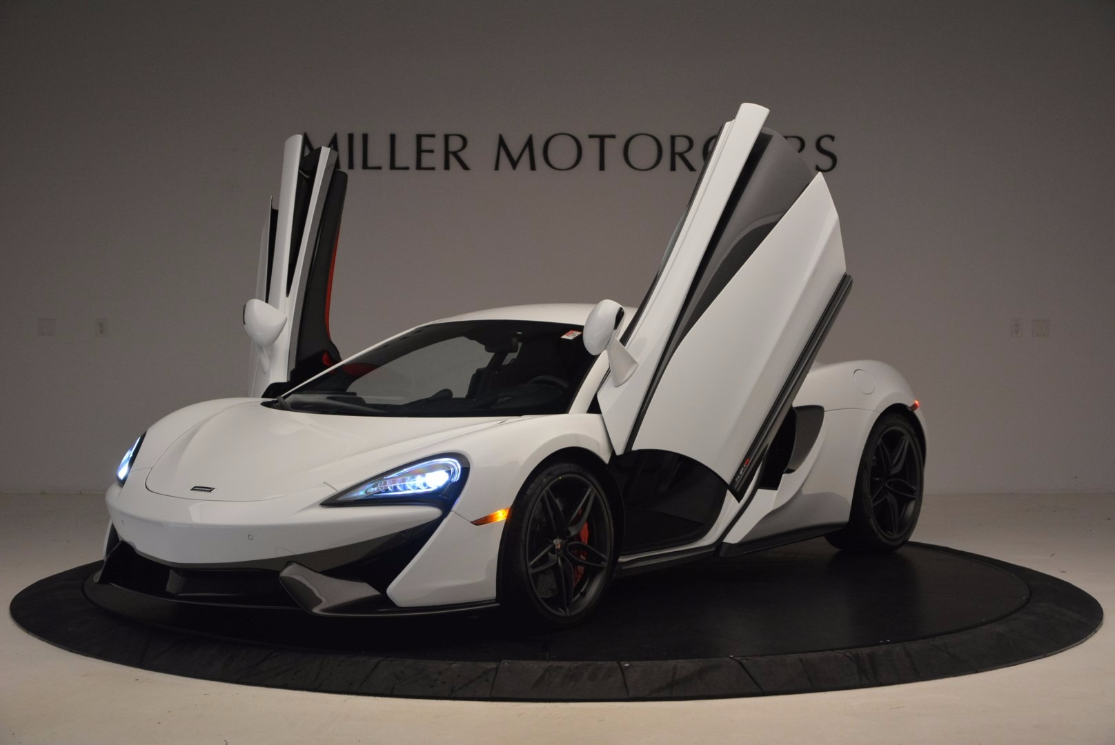 Used 2017 McLaren 570S  For Sale In Greenwich, CT 1454_p14