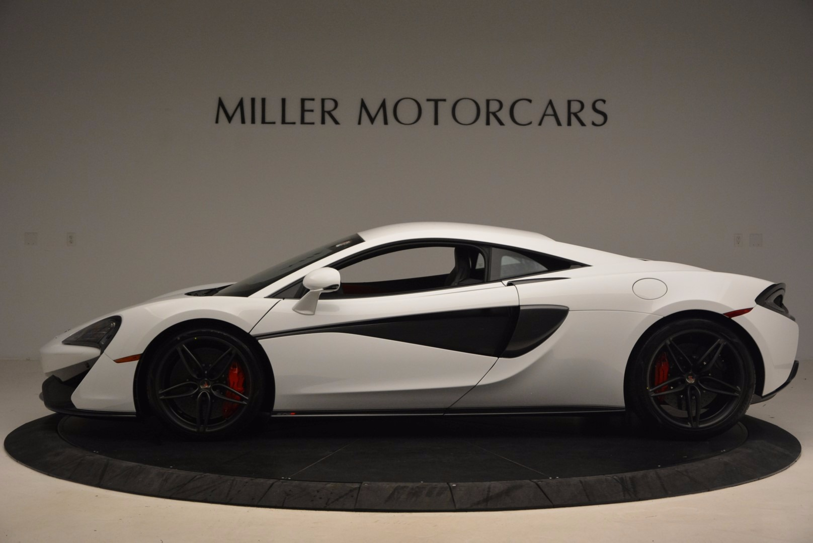 Used 2017 McLaren 570S  For Sale In Greenwich, CT 1454_p3