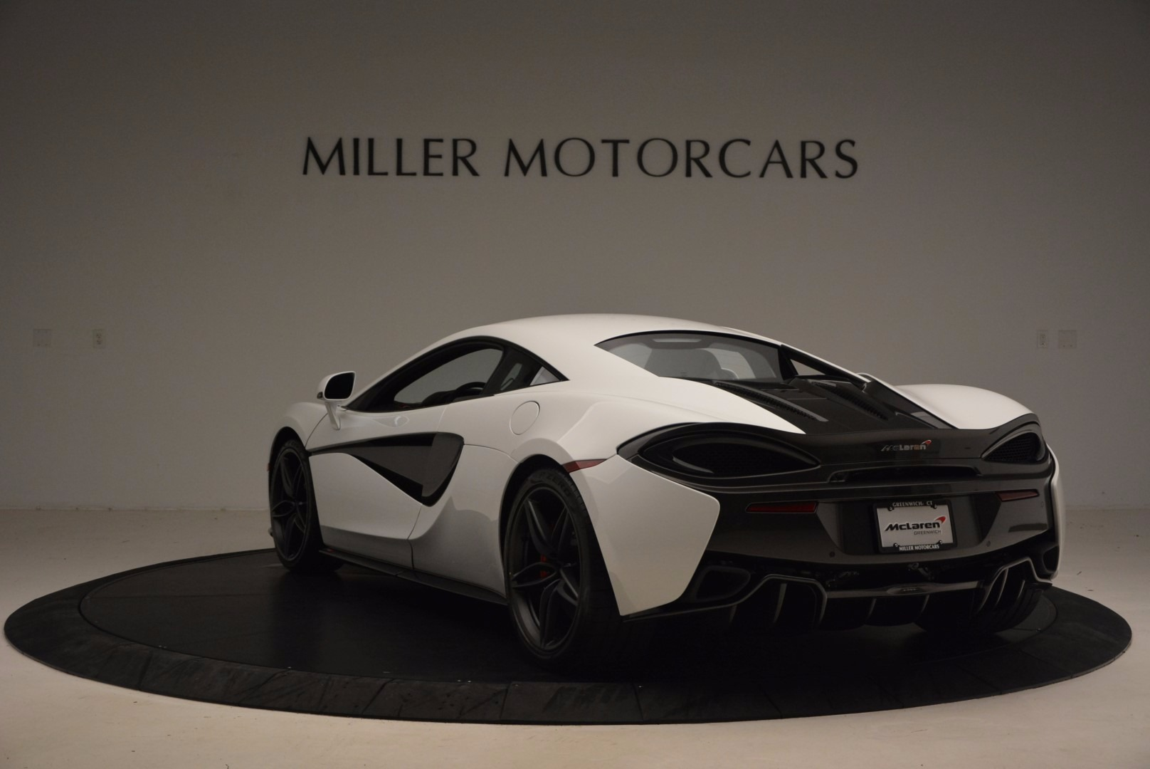 Used 2017 McLaren 570S  For Sale In Greenwich, CT 1454_p5