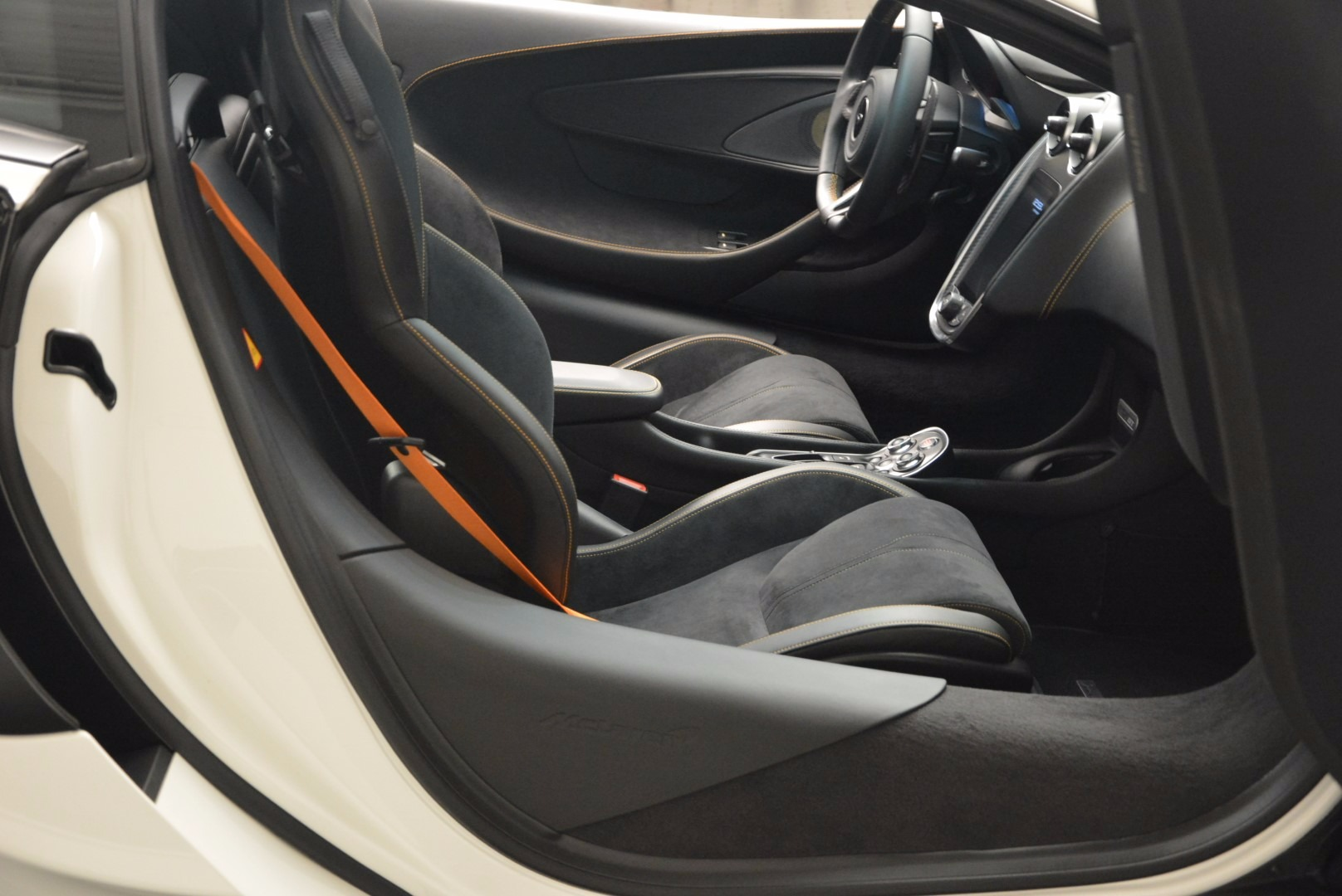 Used 2017 McLaren 570GT  For Sale In Greenwich, CT 1455_p19