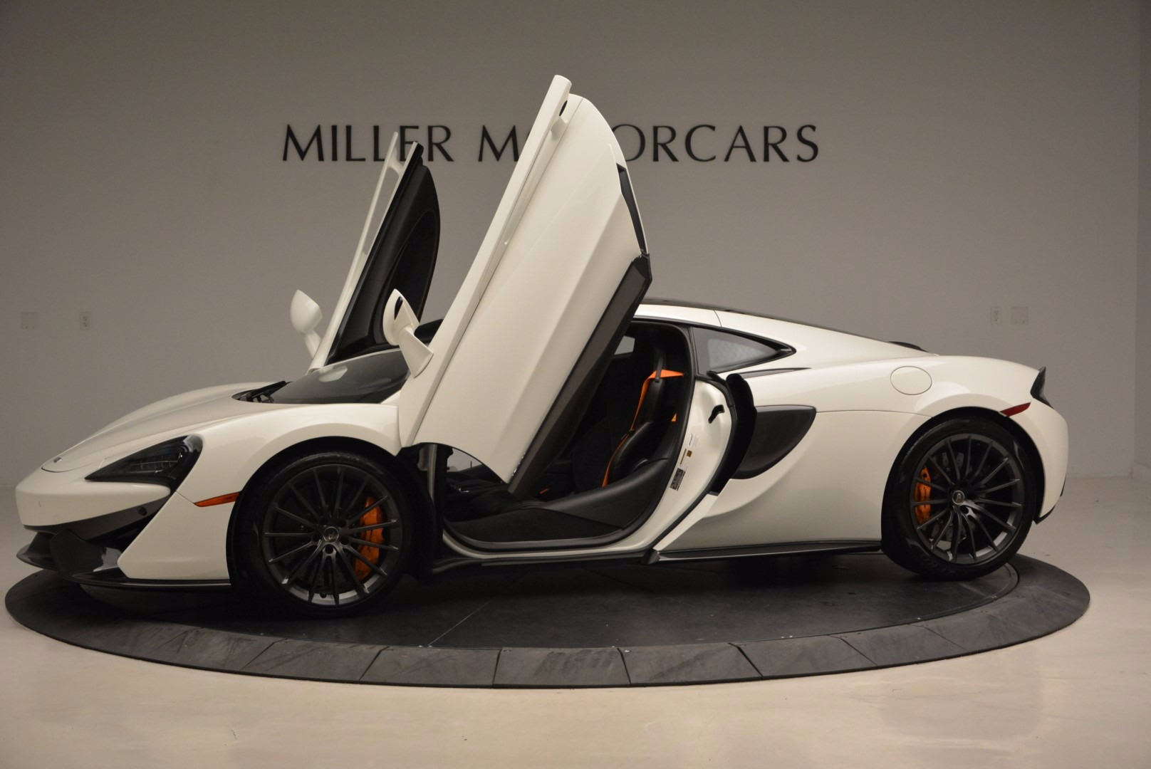 Used 2017 McLaren 570GT  For Sale In Greenwich, CT 1455_p24