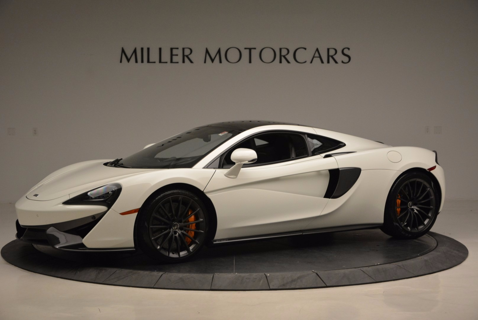 Used 2017 McLaren 570GT  For Sale In Greenwich, CT 1455_p2