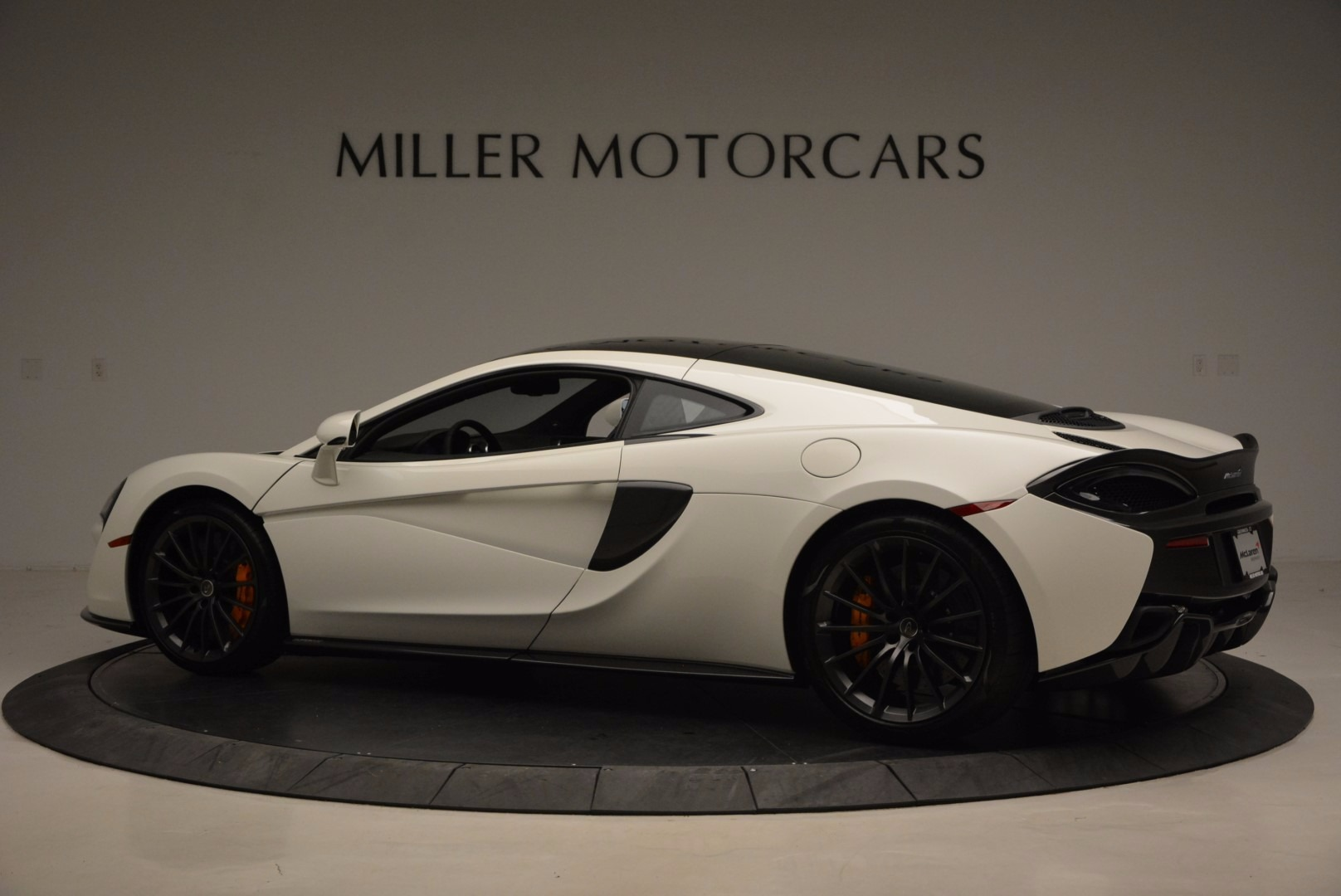 Used 2017 McLaren 570GT  For Sale In Greenwich, CT 1455_p4