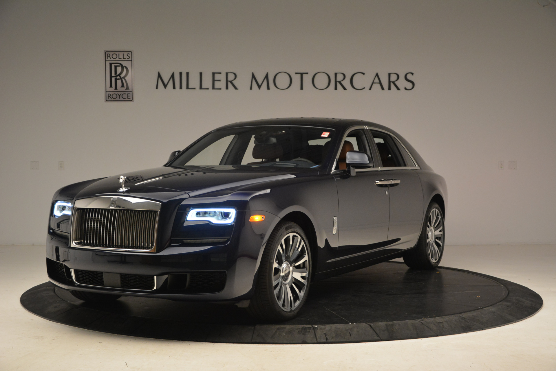New 2018 Rolls-Royce Ghost  For Sale In Greenwich, CT 1457_main