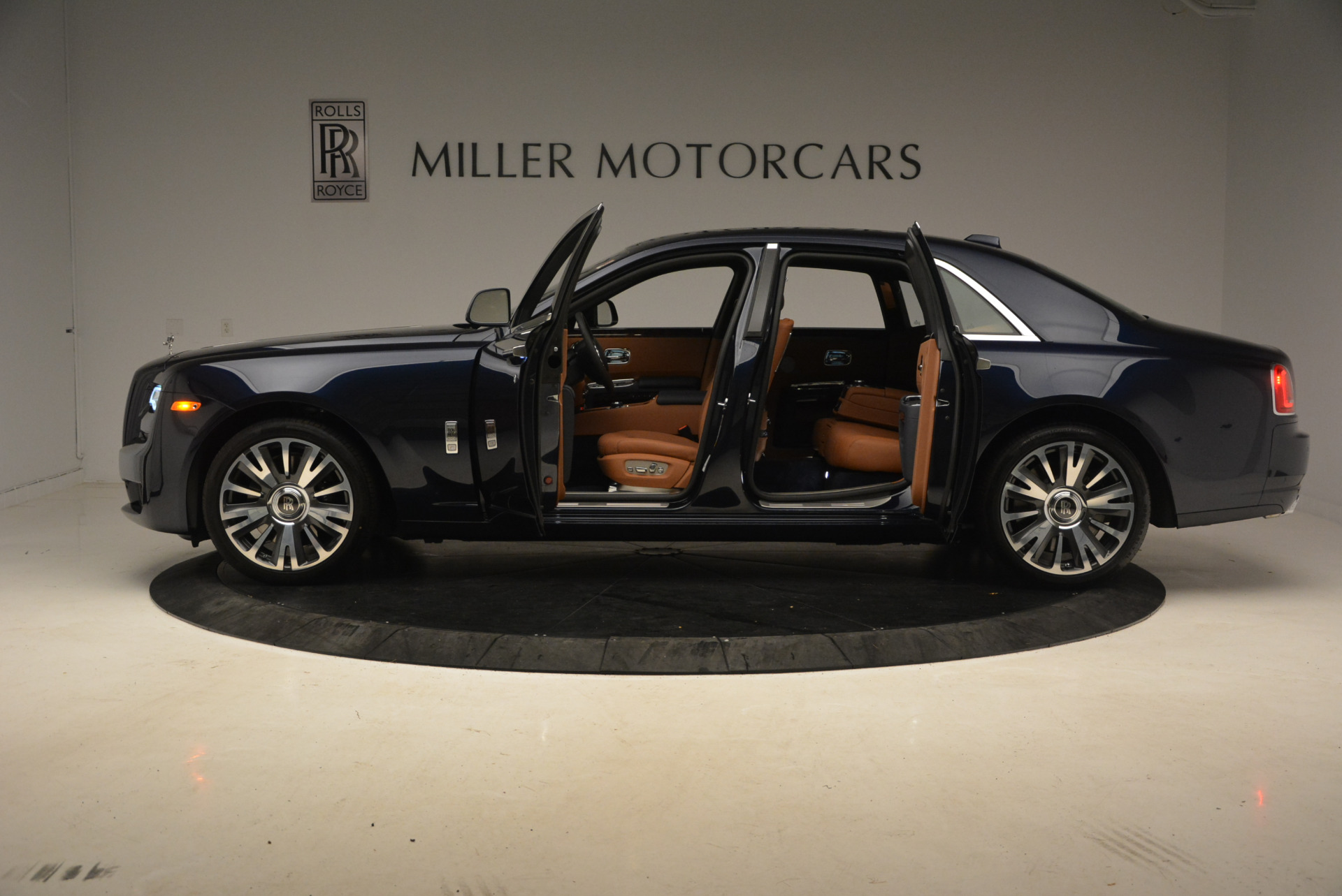 New 2018 Rolls-Royce Ghost  For Sale In Greenwich, CT 1457_p13