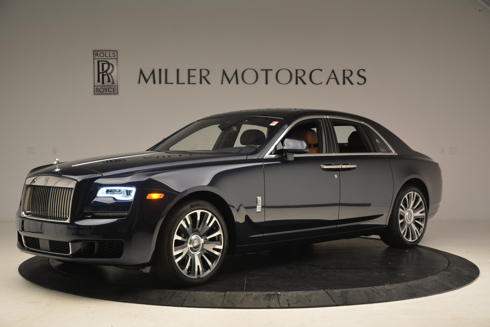 New 2018 Rolls-Royce Ghost  For Sale In Greenwich, CT 1457_p2