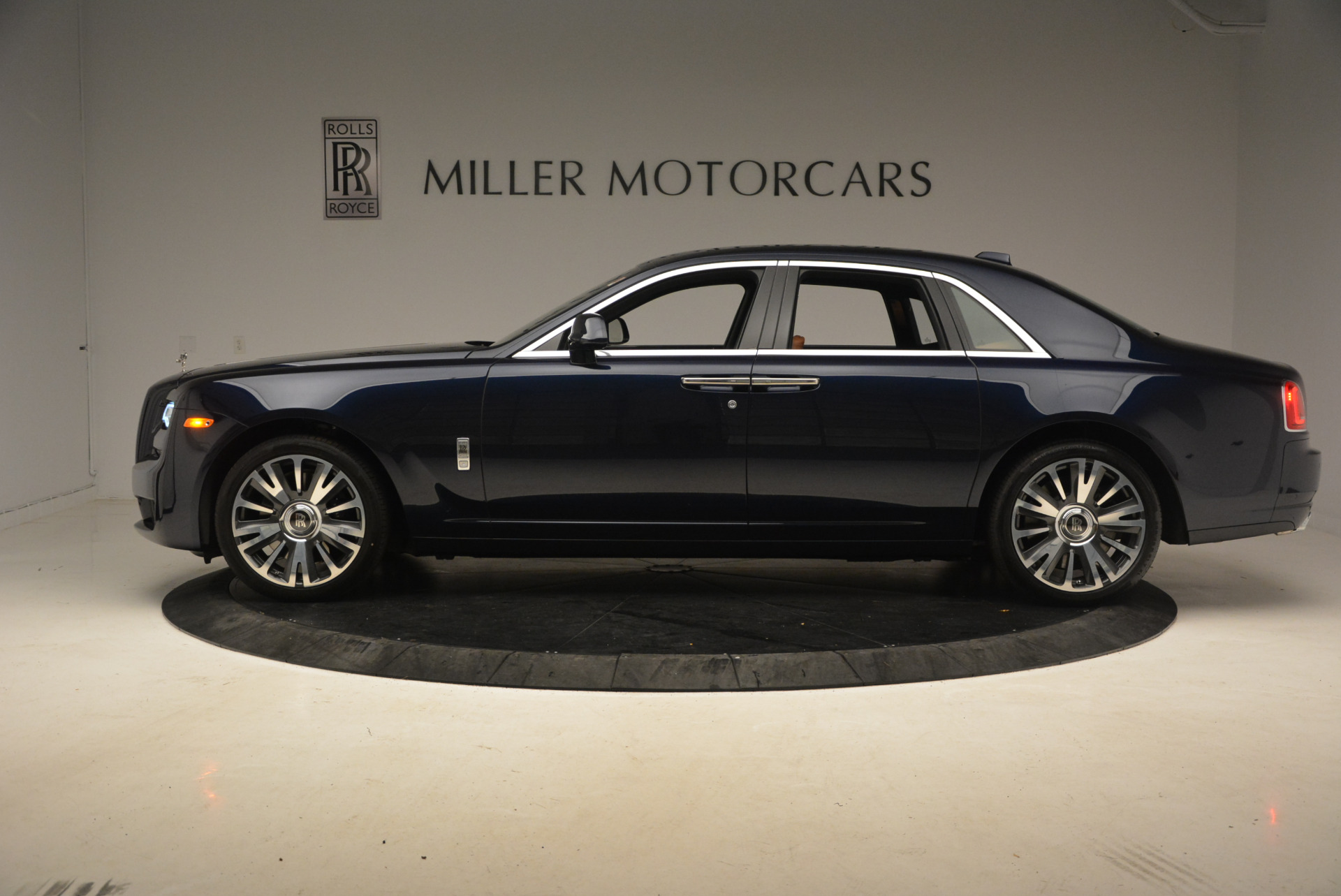 New 2018 Rolls-Royce Ghost  For Sale In Greenwich, CT 1457_p3