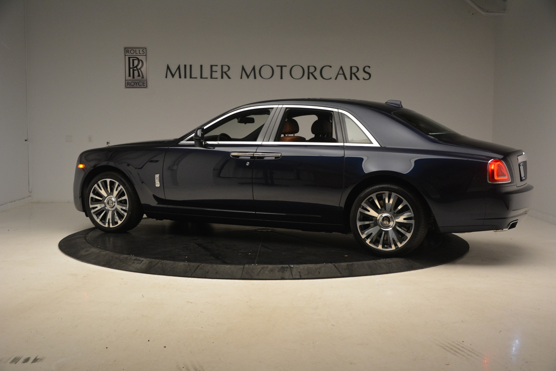 New 2018 Rolls-Royce Ghost  For Sale In Greenwich, CT 1457_p4