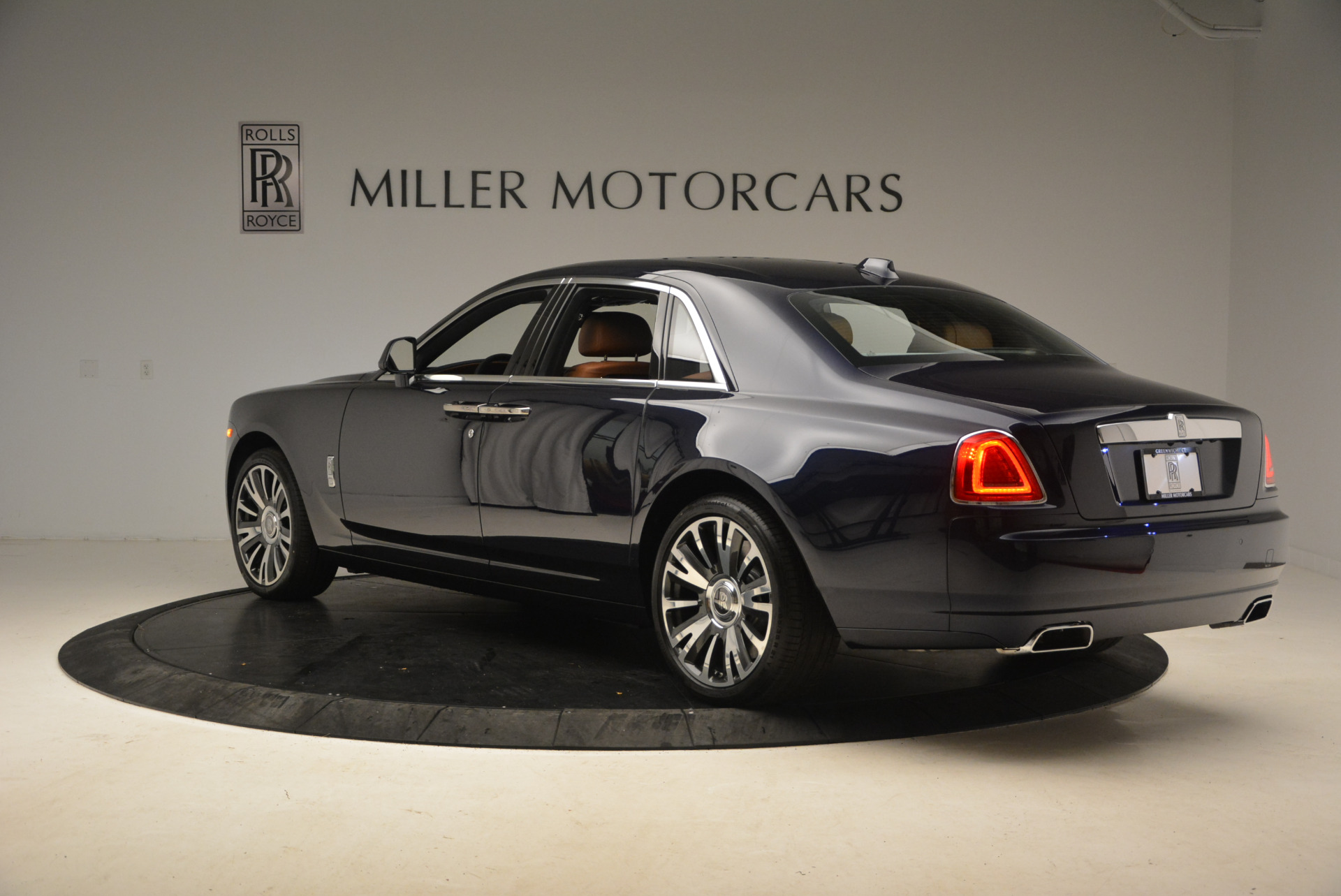 New 2018 Rolls-Royce Ghost  For Sale In Greenwich, CT 1457_p5