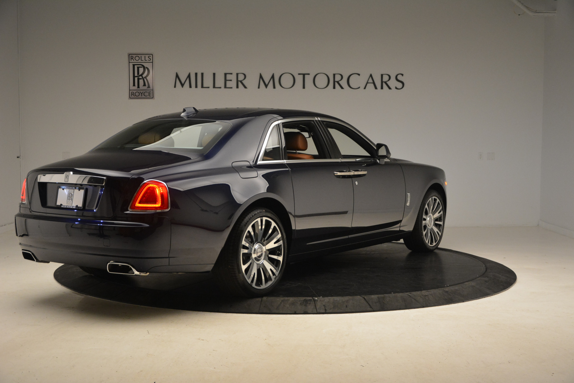 New 2018 Rolls-Royce Ghost  For Sale In Greenwich, CT 1457_p8