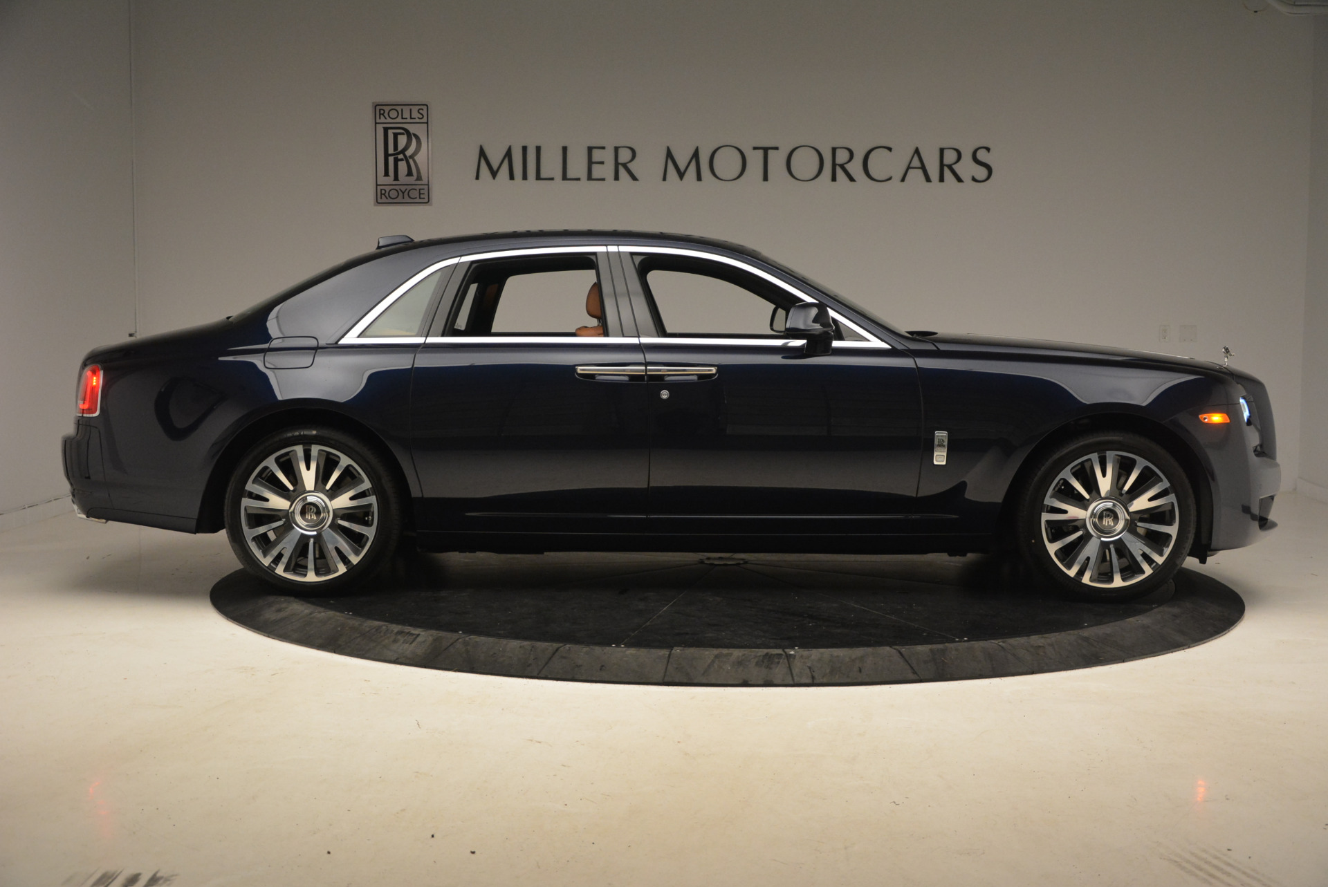 New 2018 Rolls-Royce Ghost  For Sale In Greenwich, CT 1457_p9
