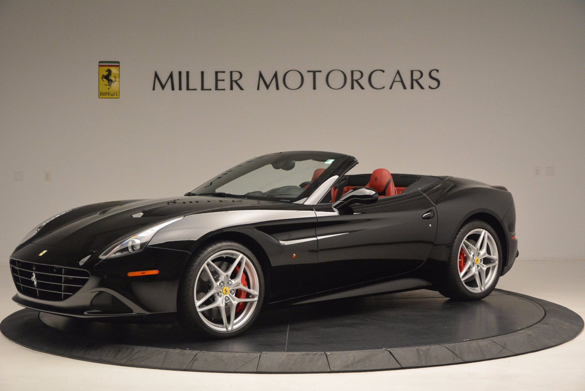 Used 2016 Ferrari California T Handling Speciale For Sale In Greenwich, CT 1458_p2