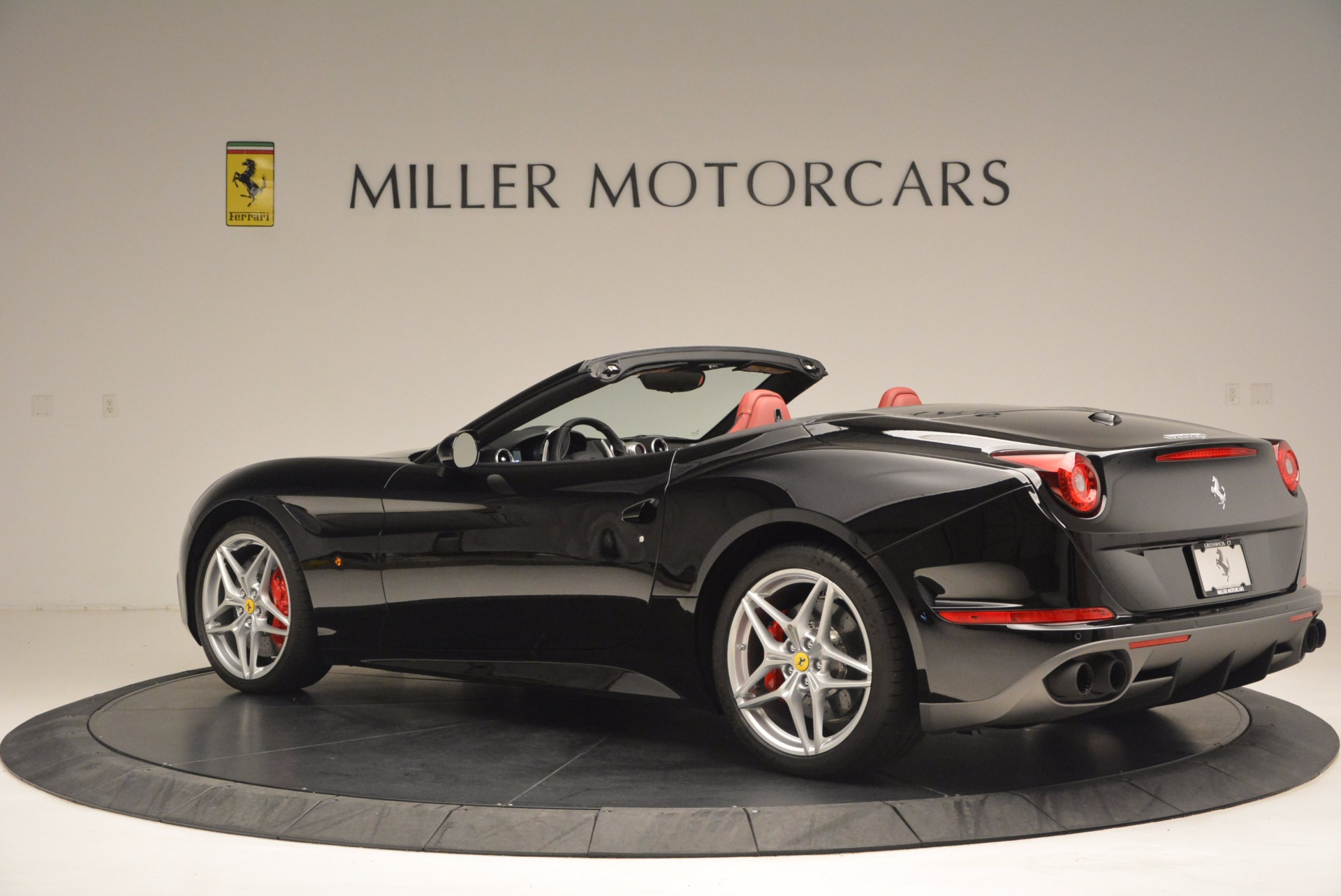 Used 2016 Ferrari California T Handling Speciale For Sale In Greenwich, CT 1458_p4