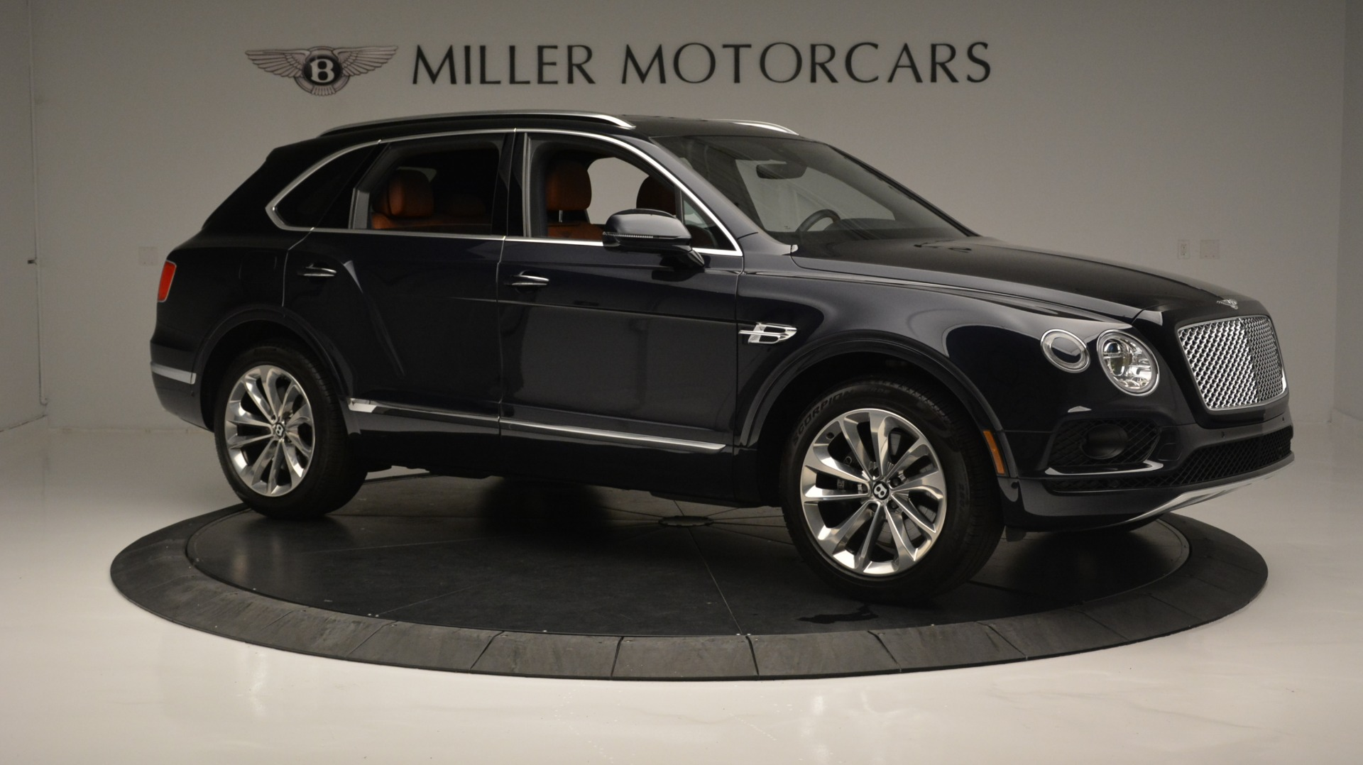 Used 2018 Bentley Bentayga W12 Signature For Sale In Greenwich, CT 1468_p10