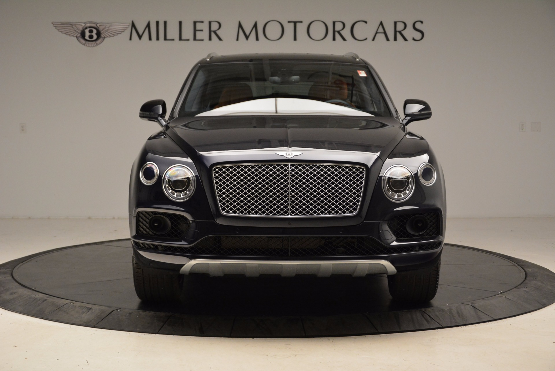 Used 2018 Bentley Bentayga W12 Signature For Sale In Greenwich, CT 1468_p12