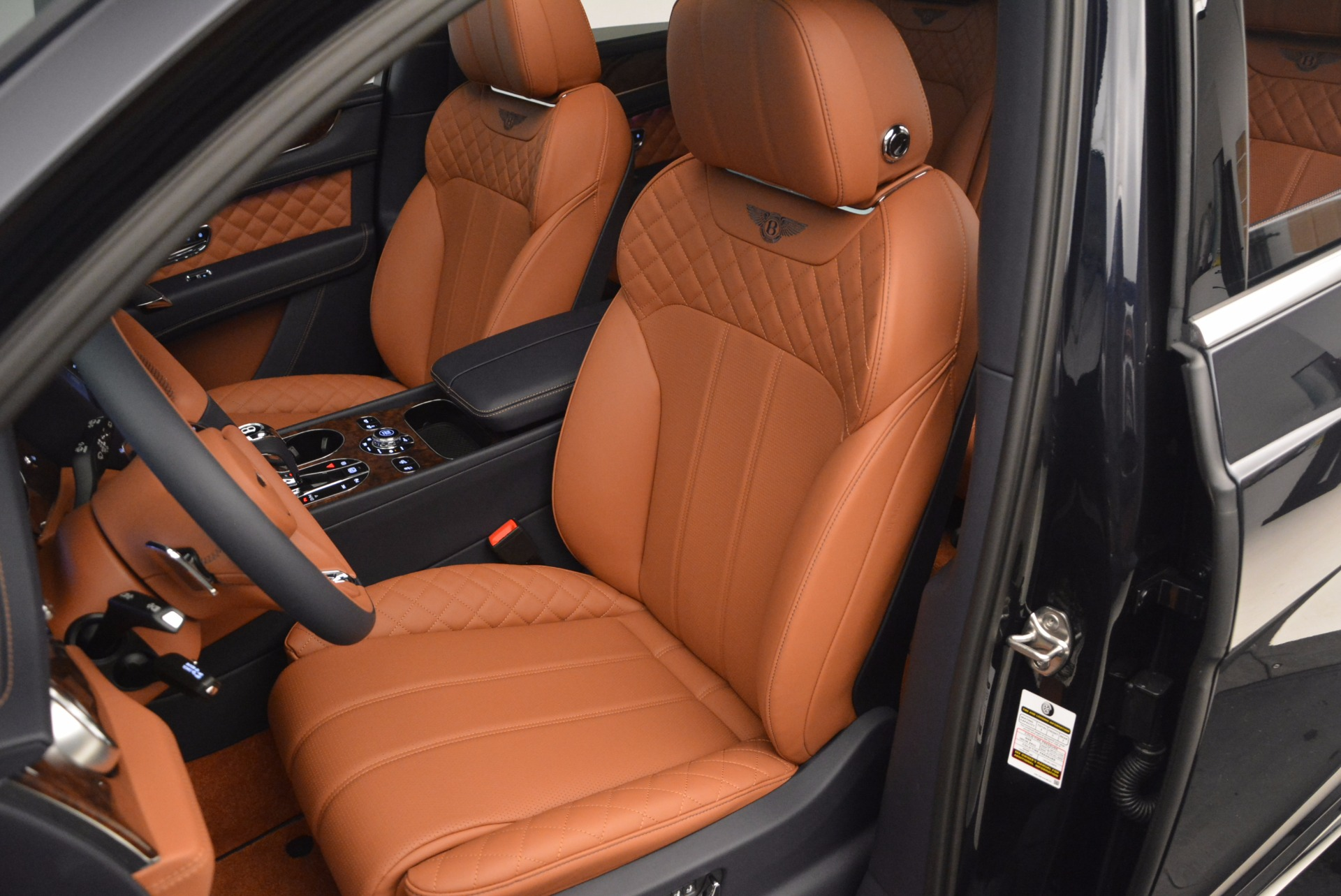 Used 2018 Bentley Bentayga W12 Signature For Sale In Greenwich, CT 1468_p23