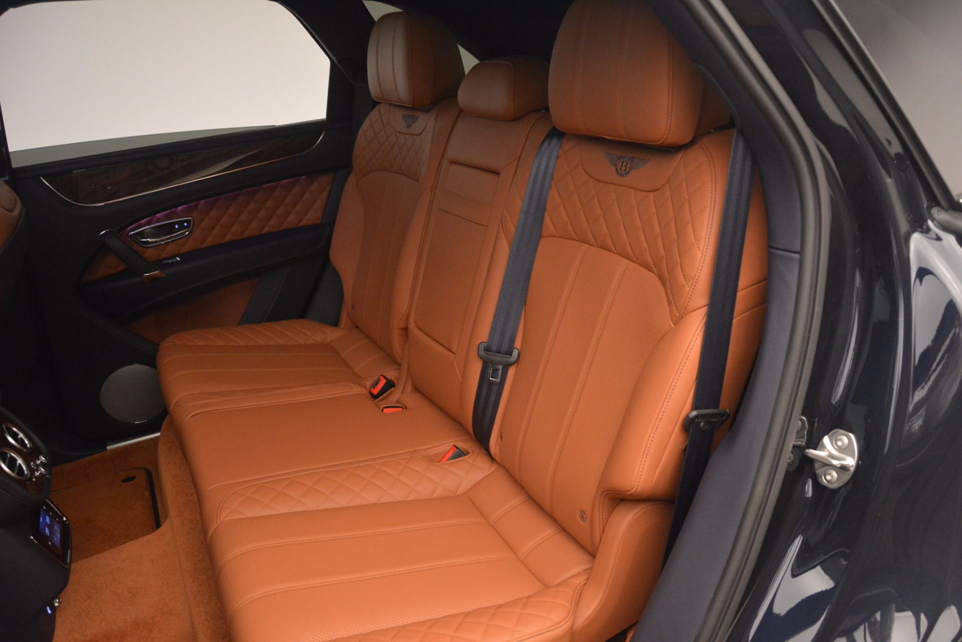 Used 2018 Bentley Bentayga W12 Signature For Sale In Greenwich, CT 1468_p29