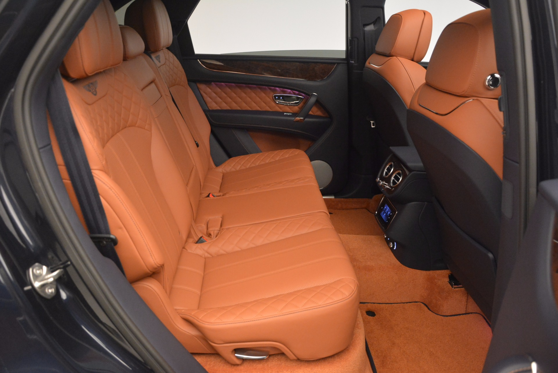 Used 2018 Bentley Bentayga W12 Signature For Sale In Greenwich, CT 1468_p37