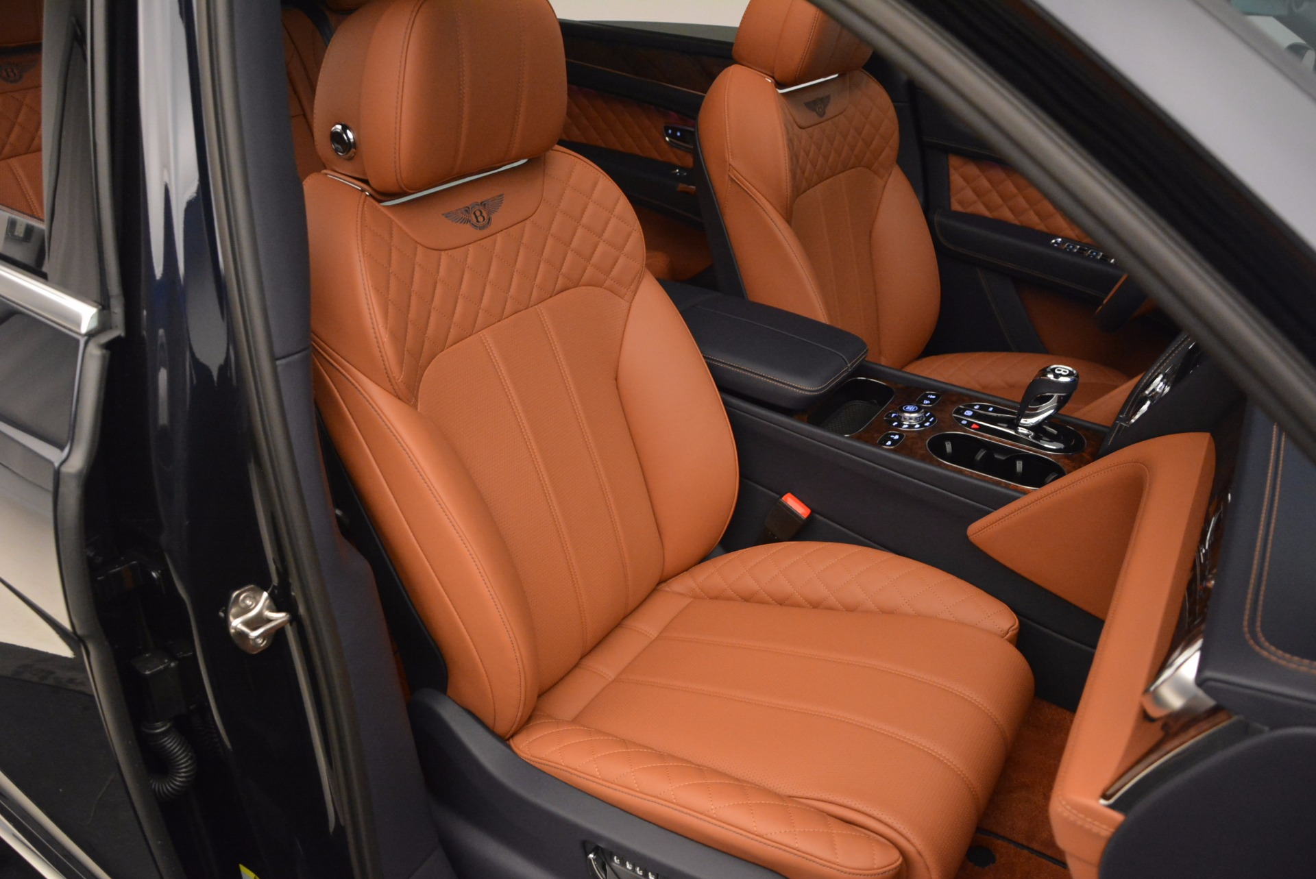 Used 2018 Bentley Bentayga W12 Signature For Sale In Greenwich, CT 1468_p41