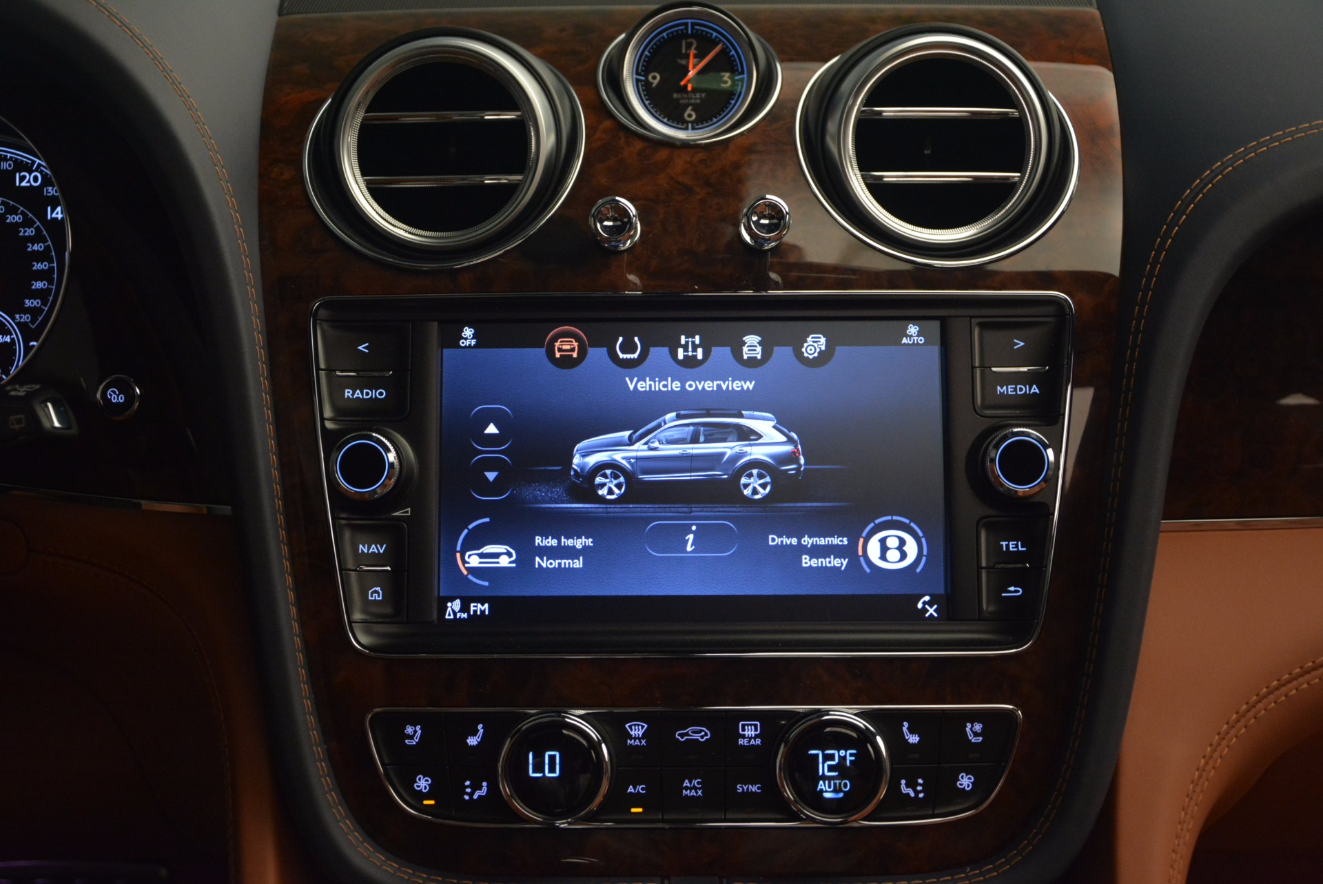Used 2018 Bentley Bentayga W12 Signature For Sale In Greenwich, CT 1468_p48