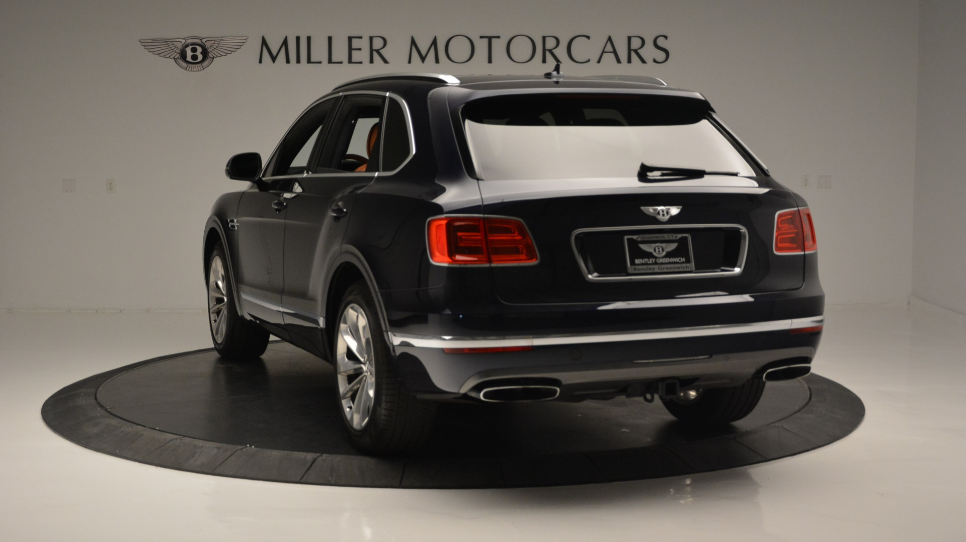 Used 2018 Bentley Bentayga W12 Signature For Sale In Greenwich, CT 1468_p5