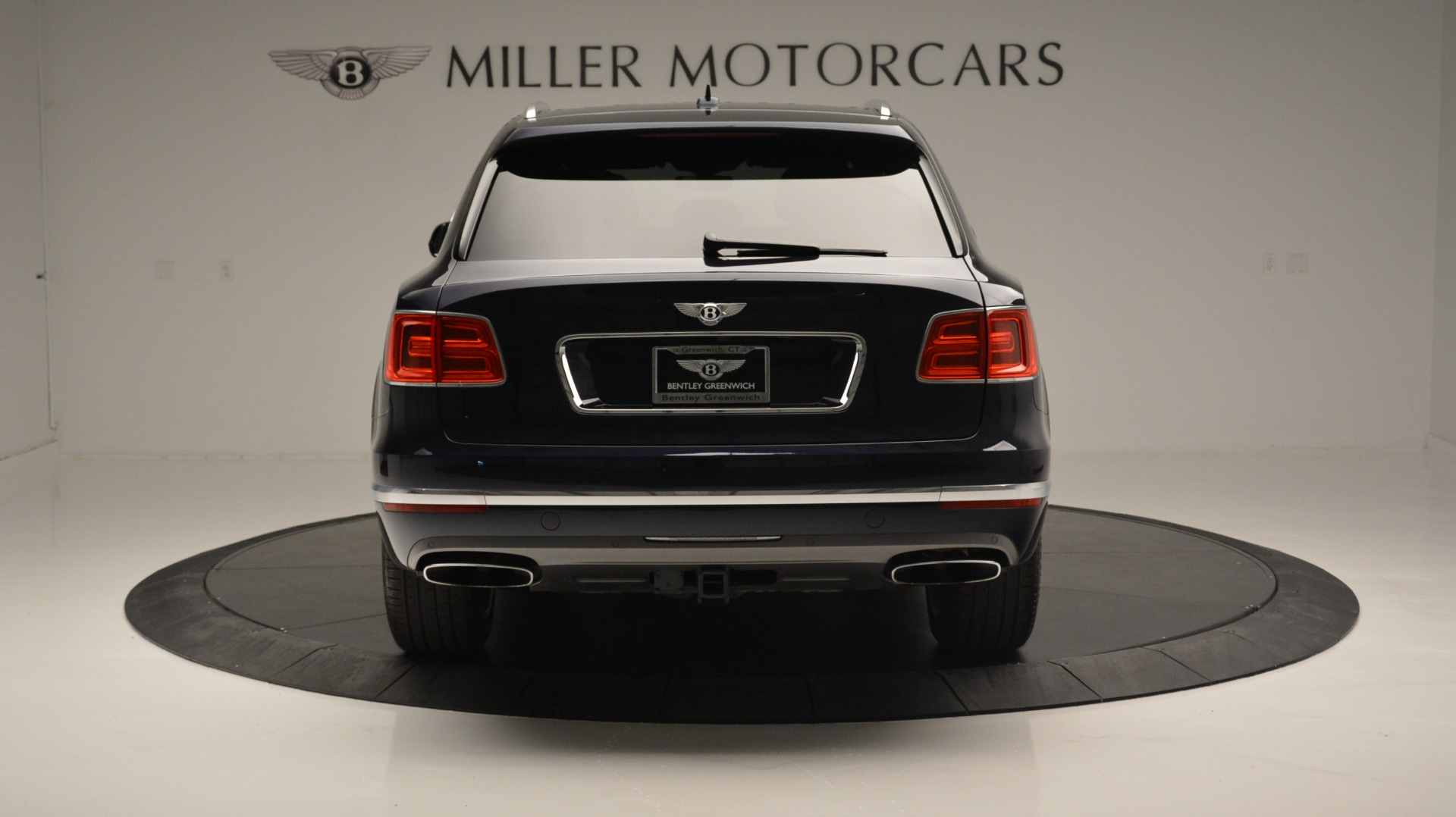 Used 2018 Bentley Bentayga W12 Signature For Sale In Greenwich, CT 1468_p6